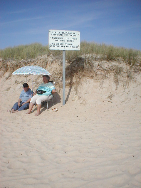 File:Nudist beach, Kerminihy, between Lorient and Quiberon. (242413556