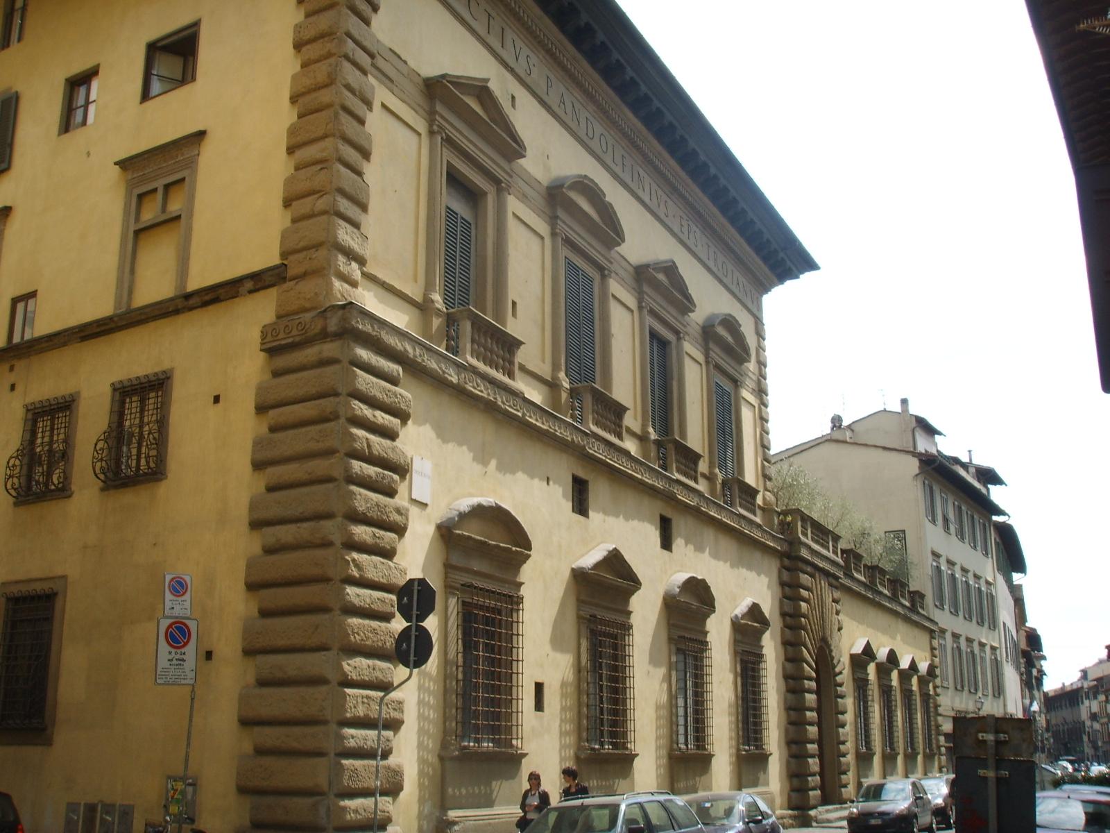 external image Palazzo_Pandolfini,_view_02.JPG