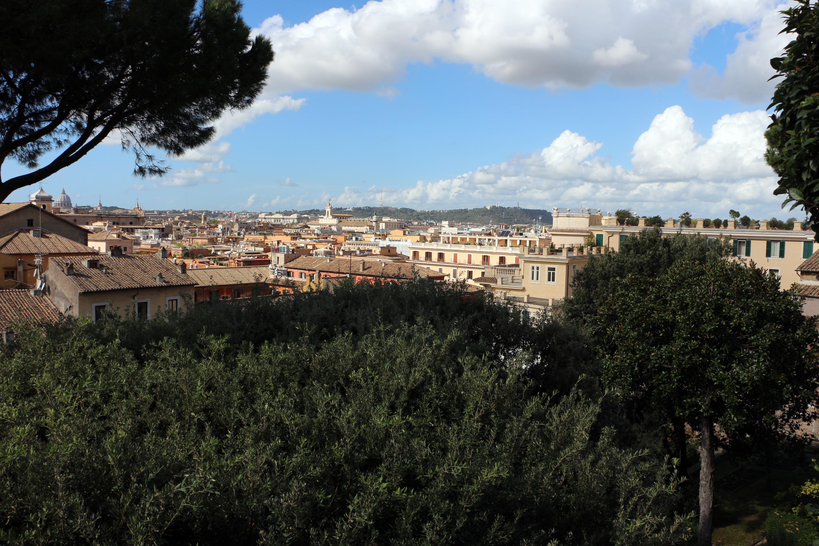 File:Palazzo colonna, giardini, terrazza, veduta su roma 01.jpg ...