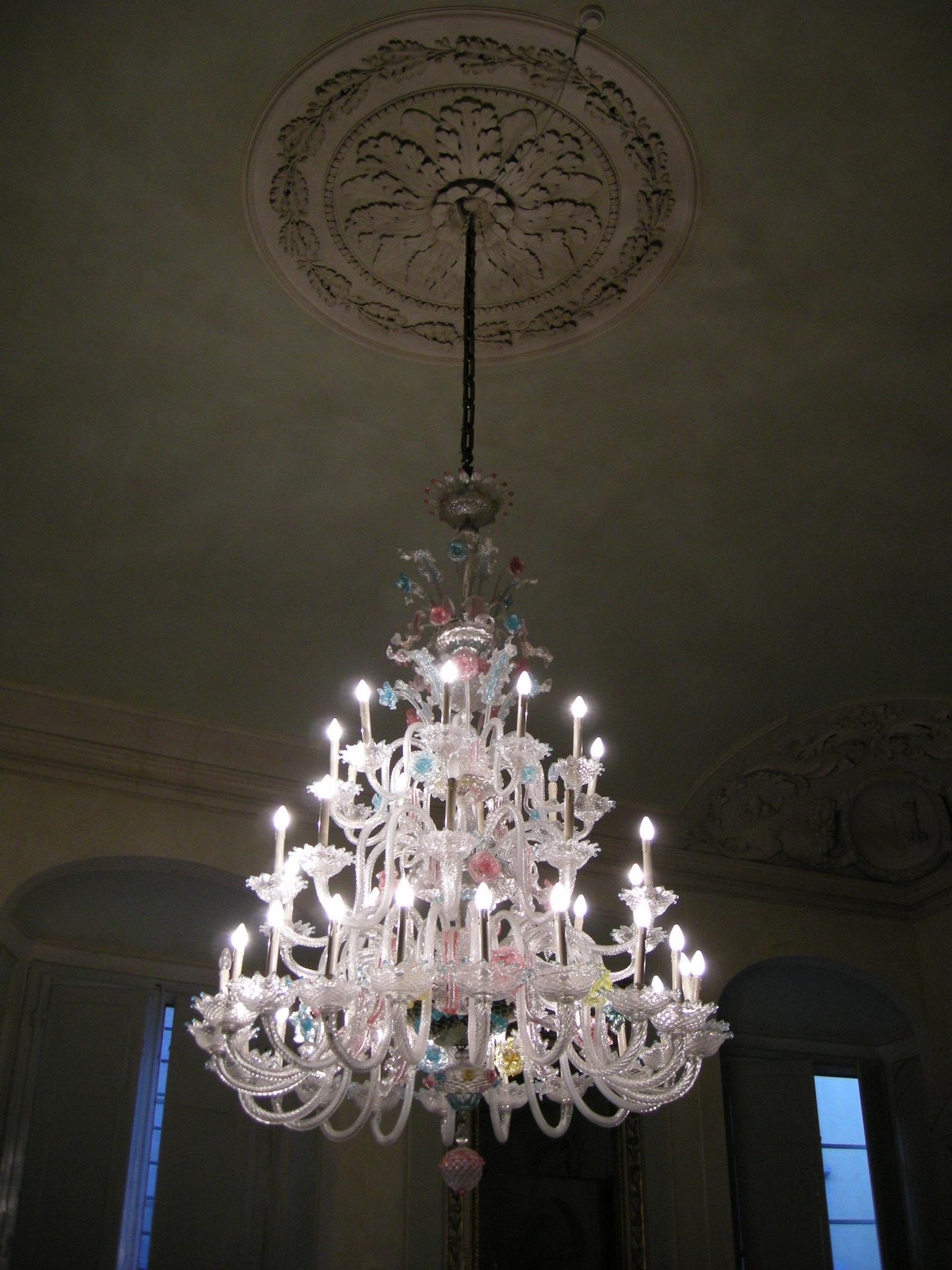 Filepalazzo compagni salone lampadario di murano 01g filepalazzo compagni salone lampadario di murano 01g arubaitofo Gallery