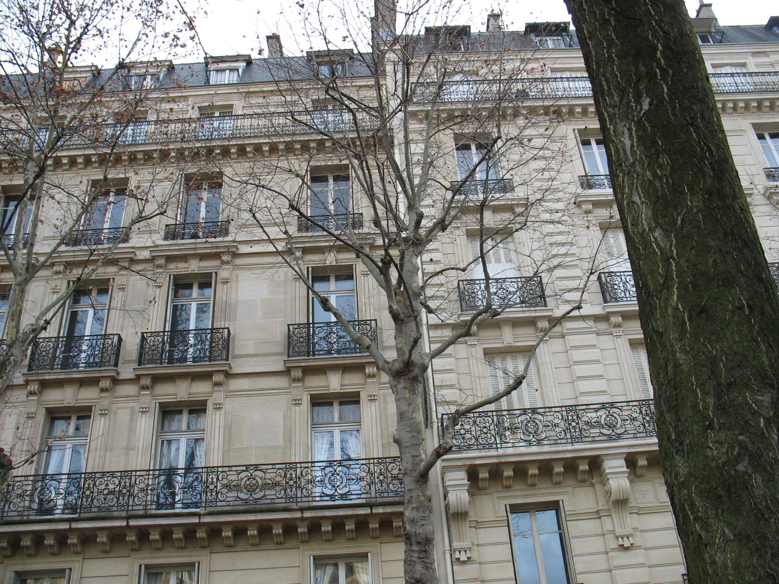 File Paris Apartment Building Jpg Wikimedia Commons