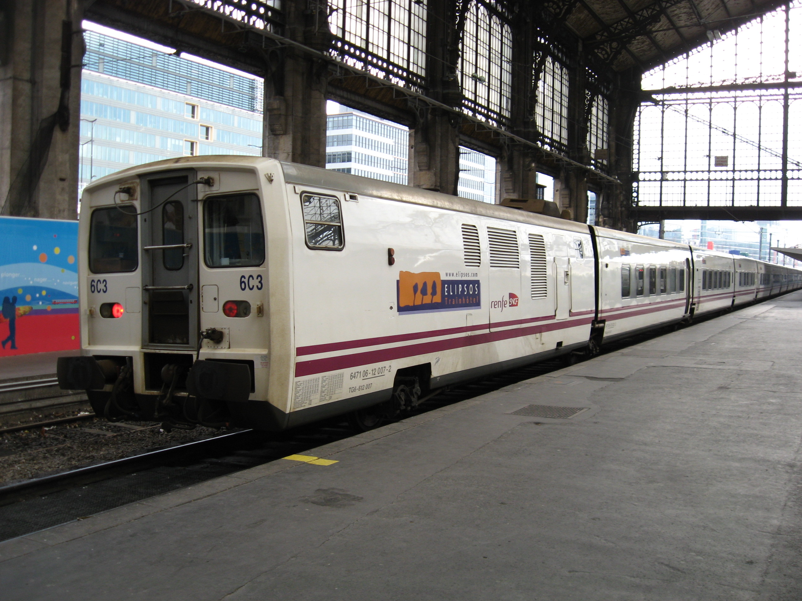 File paris austerlitz talgo jpg wikimedia commons for Train tours paris austerlitz