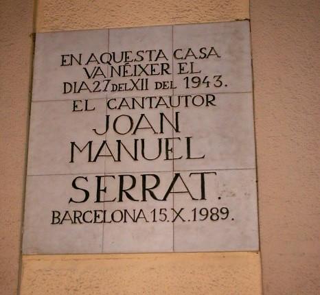 Placa conmemoratoria del lugar de su nacimiento.