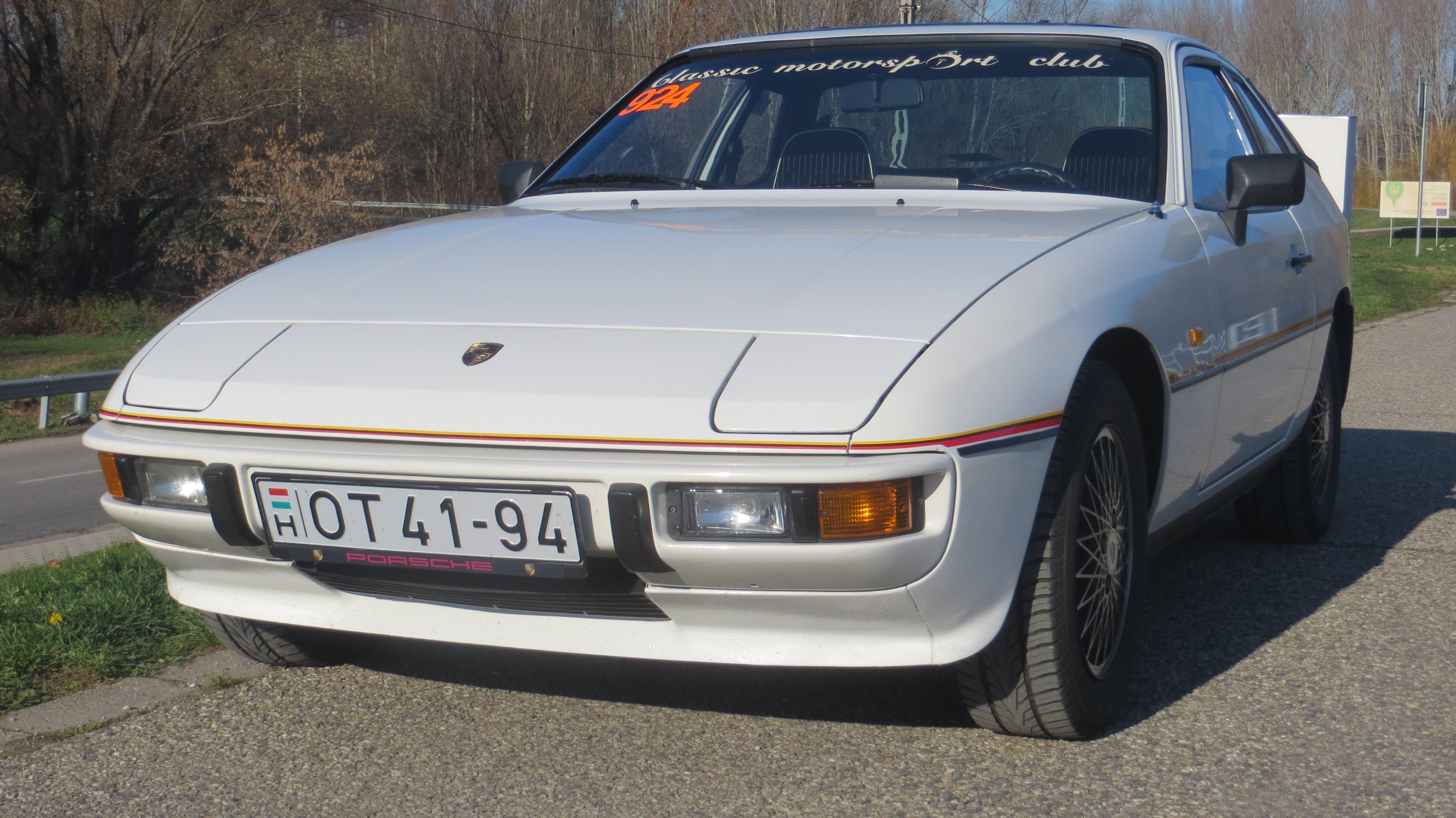 FilePorsche 924 Le Mans 01.JPG