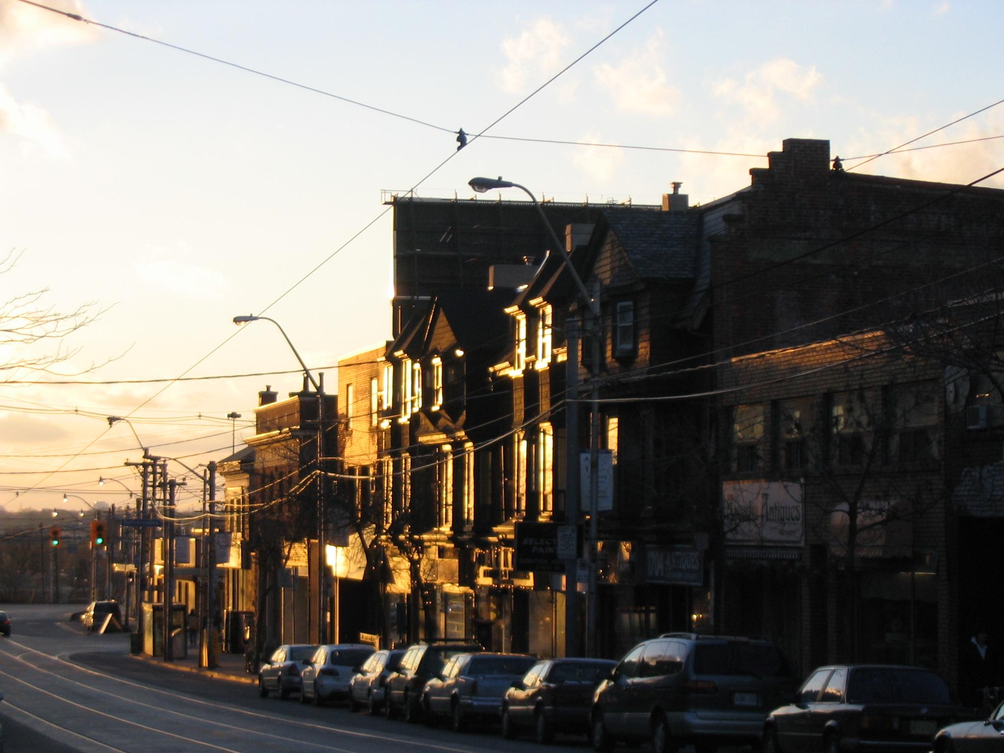 Queen street west toronto.jpg