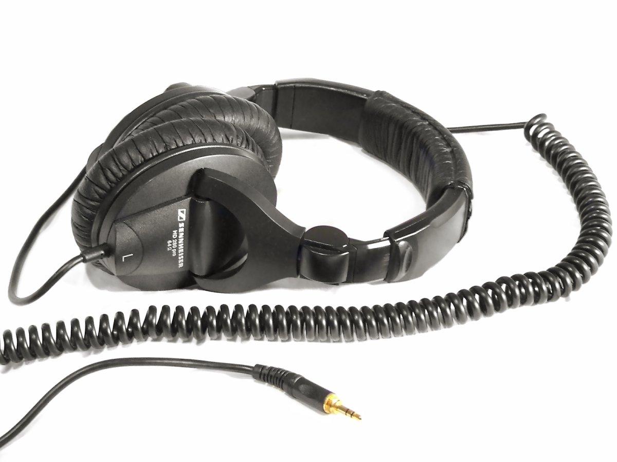 the best headphones for video editing the shutterstock blog. Black Bedroom Furniture Sets. Home Design Ideas