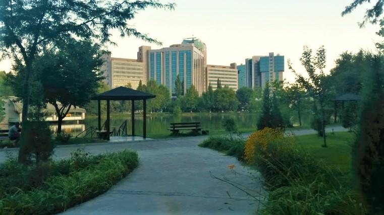 Tashkent Japanese Gardens, Tashkent, Uzbekistan.jpg
