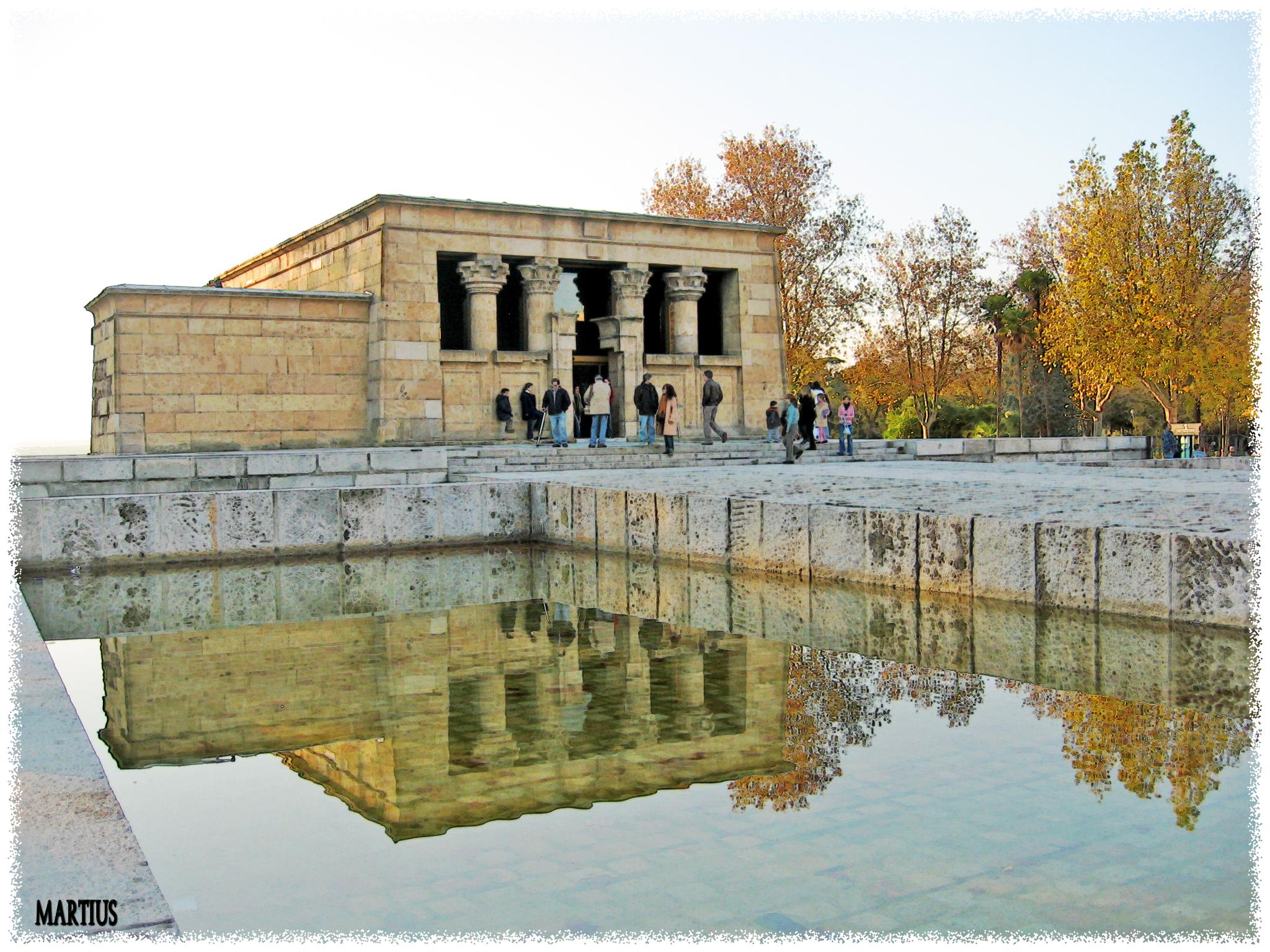 File:Templo de Debod (Madrid) 04.jpg