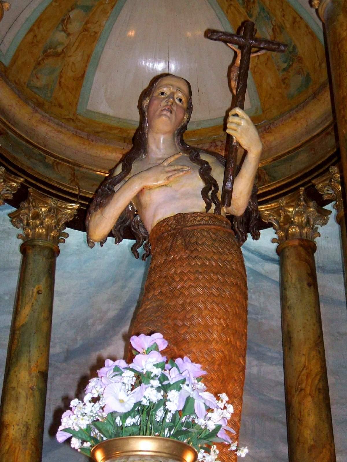 File:Viana - Iglesia de Santa Maria - Capilla de Sta Maria Magdalena 4.jpg