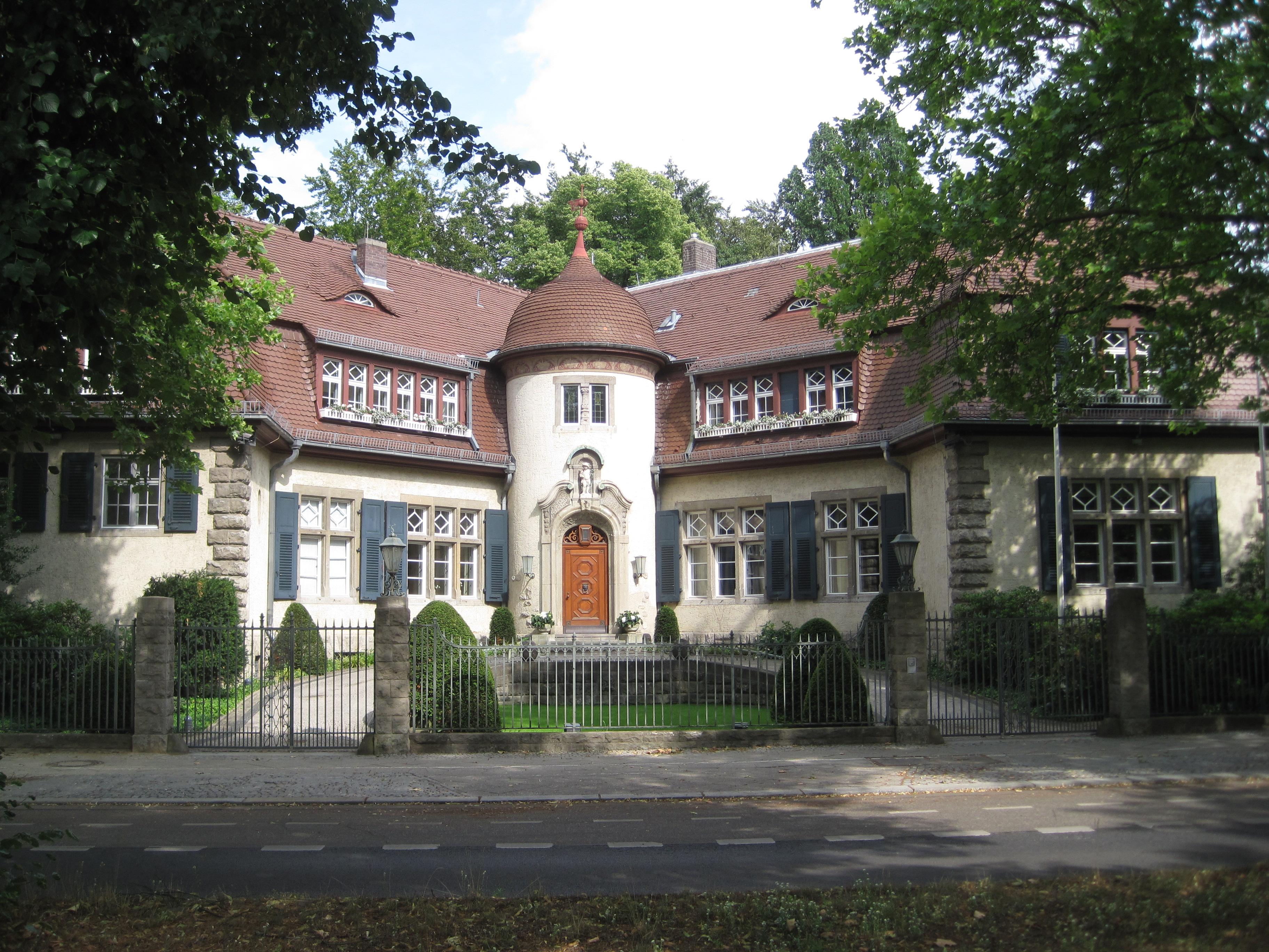 Villa Dahlem file villastraussb dahlem jpg wikimedia commons