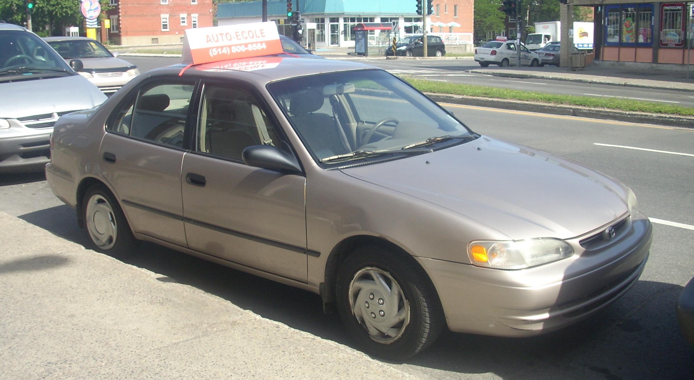 File 98 00 Toyota Corolla Driving School Car Jpg