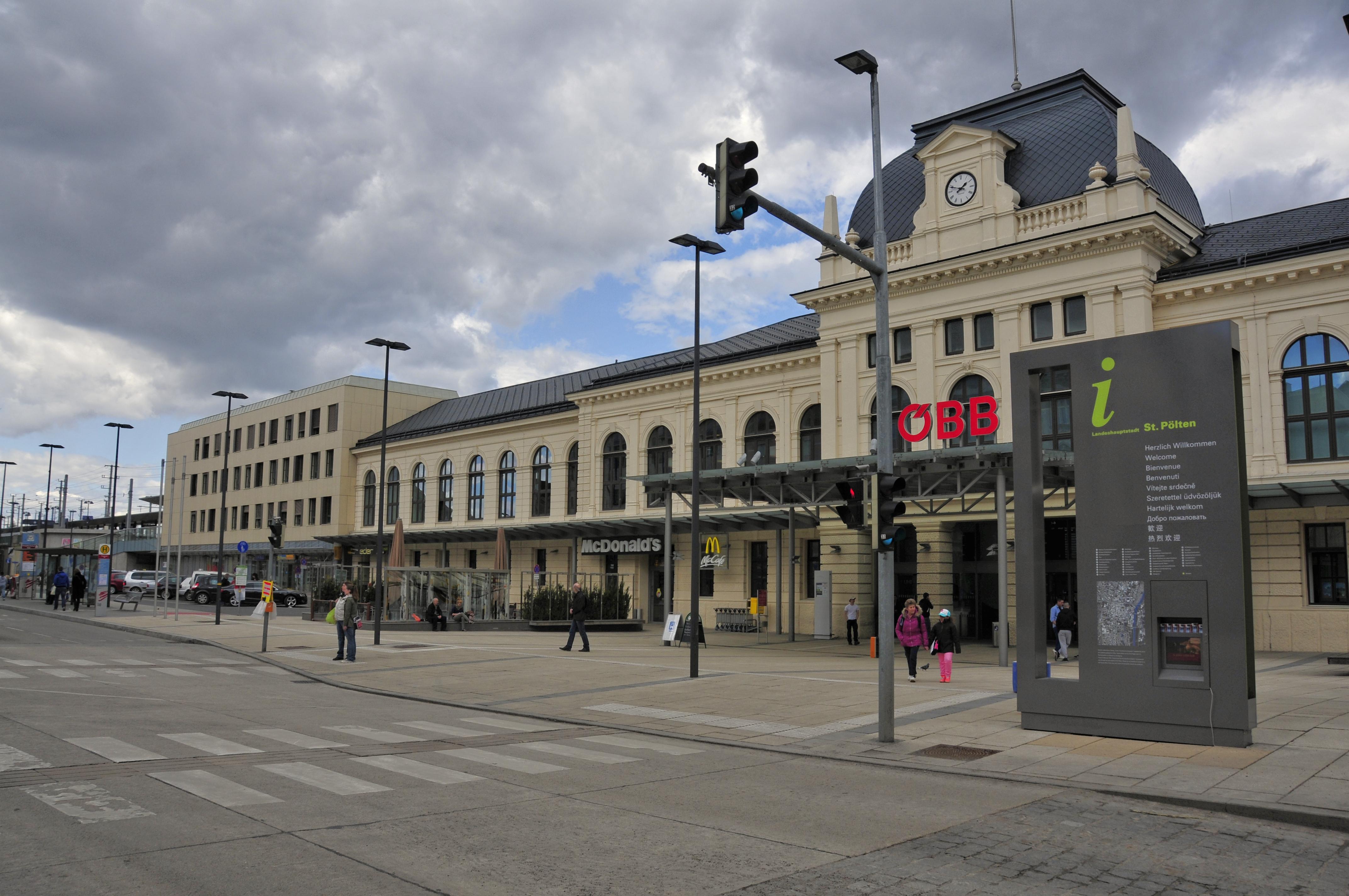 File 13 04 13 St Poelten Bahnhof 201 Jpg Wikimedia Commons