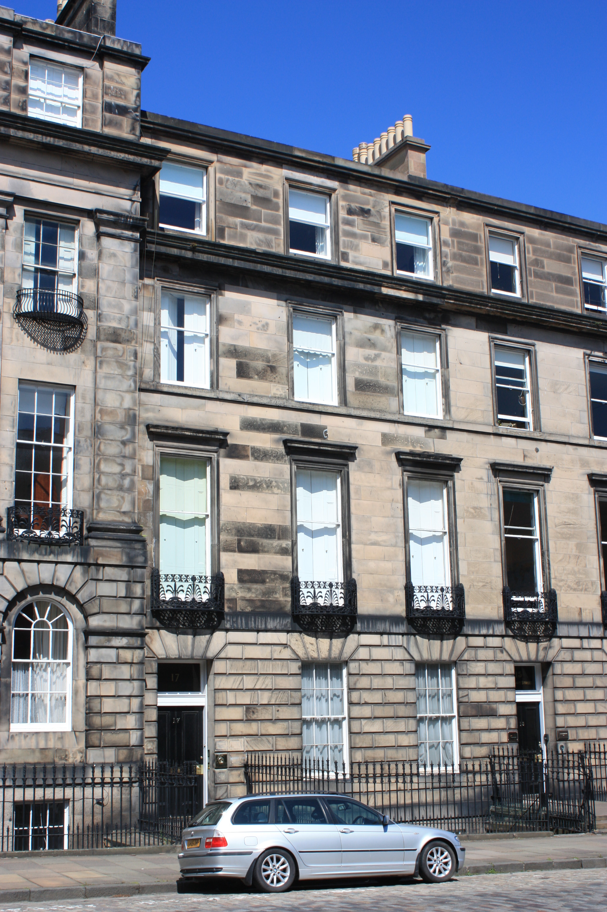 17 Great Eyeliner Hacks: File:17 Great Stuart Street, Edinburgh.jpg