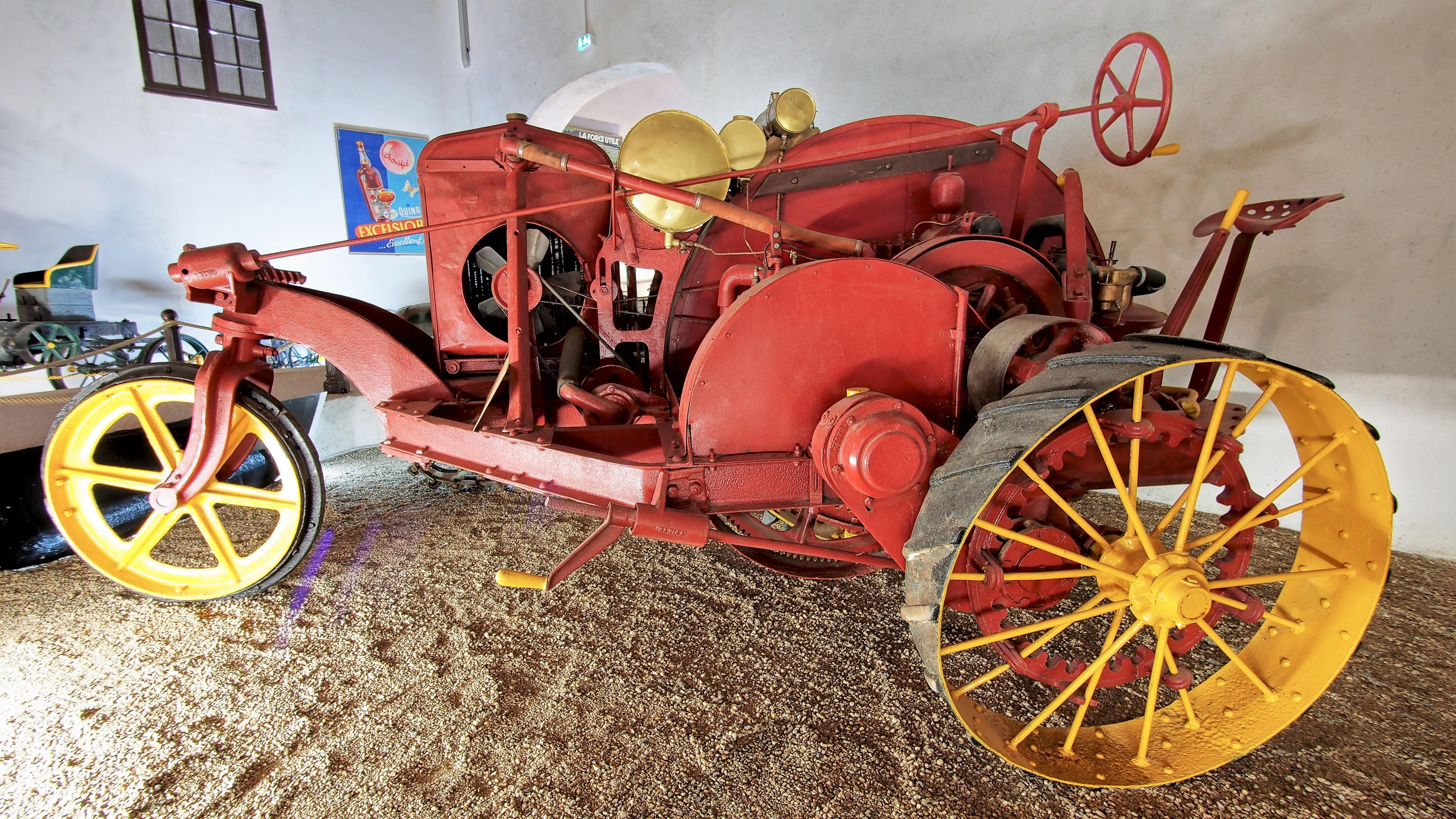 Datei:1914 tracteur Big-Bull, Musée Maurice Dufresne photo 7.jpg ...