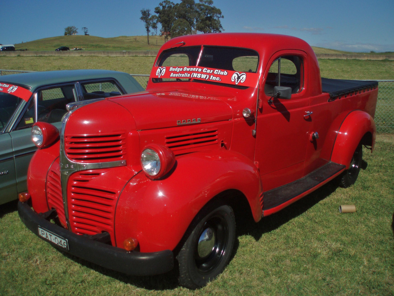 1946_Dodge_utility_(5080231491).jpg