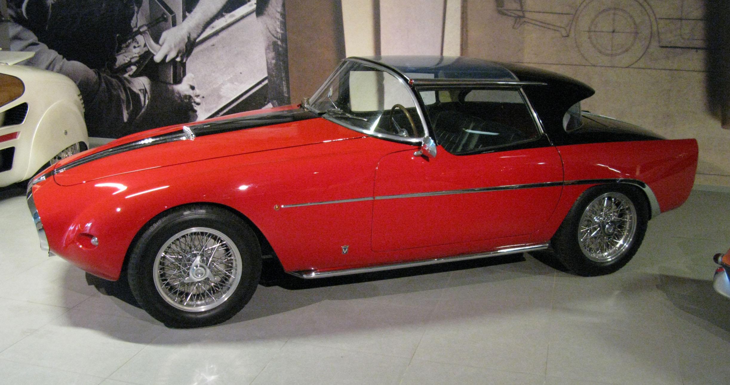 File:1953 Fiat 8V Demon Rouge.jpg - Wikimedia Commons