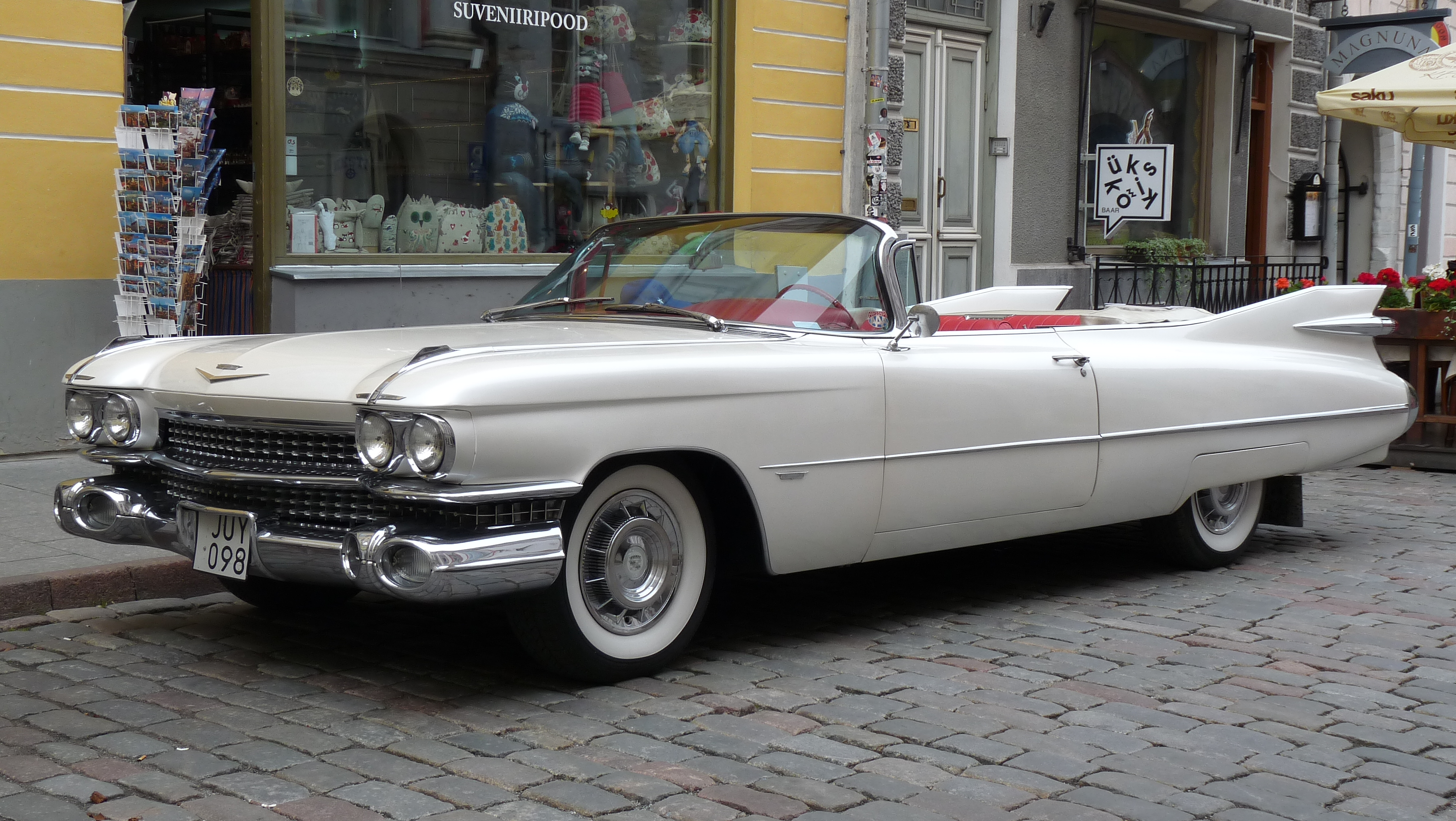 2016 Cadillac Convertible >> File 1959 Cadillac Sixty Two Convertible In Pikk Street Jpg