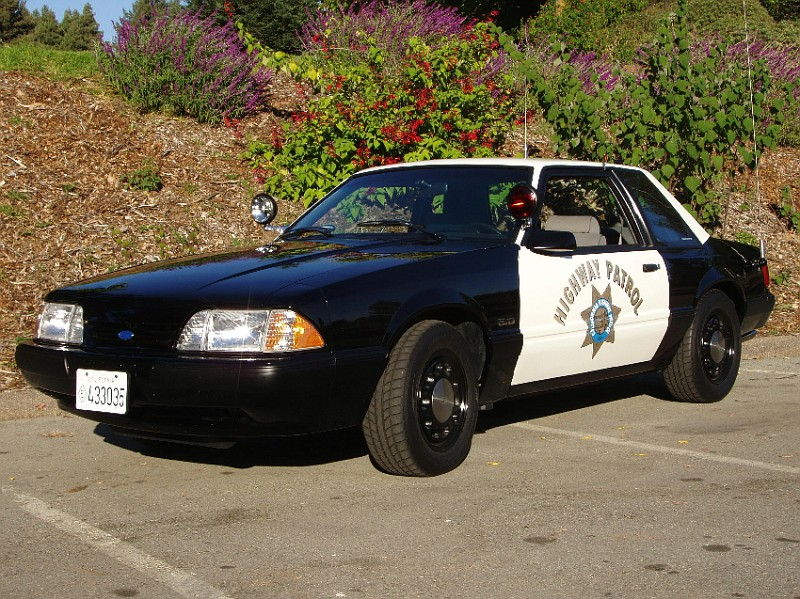 Description 1987-1993 Ford Mustang Police Car.jpg