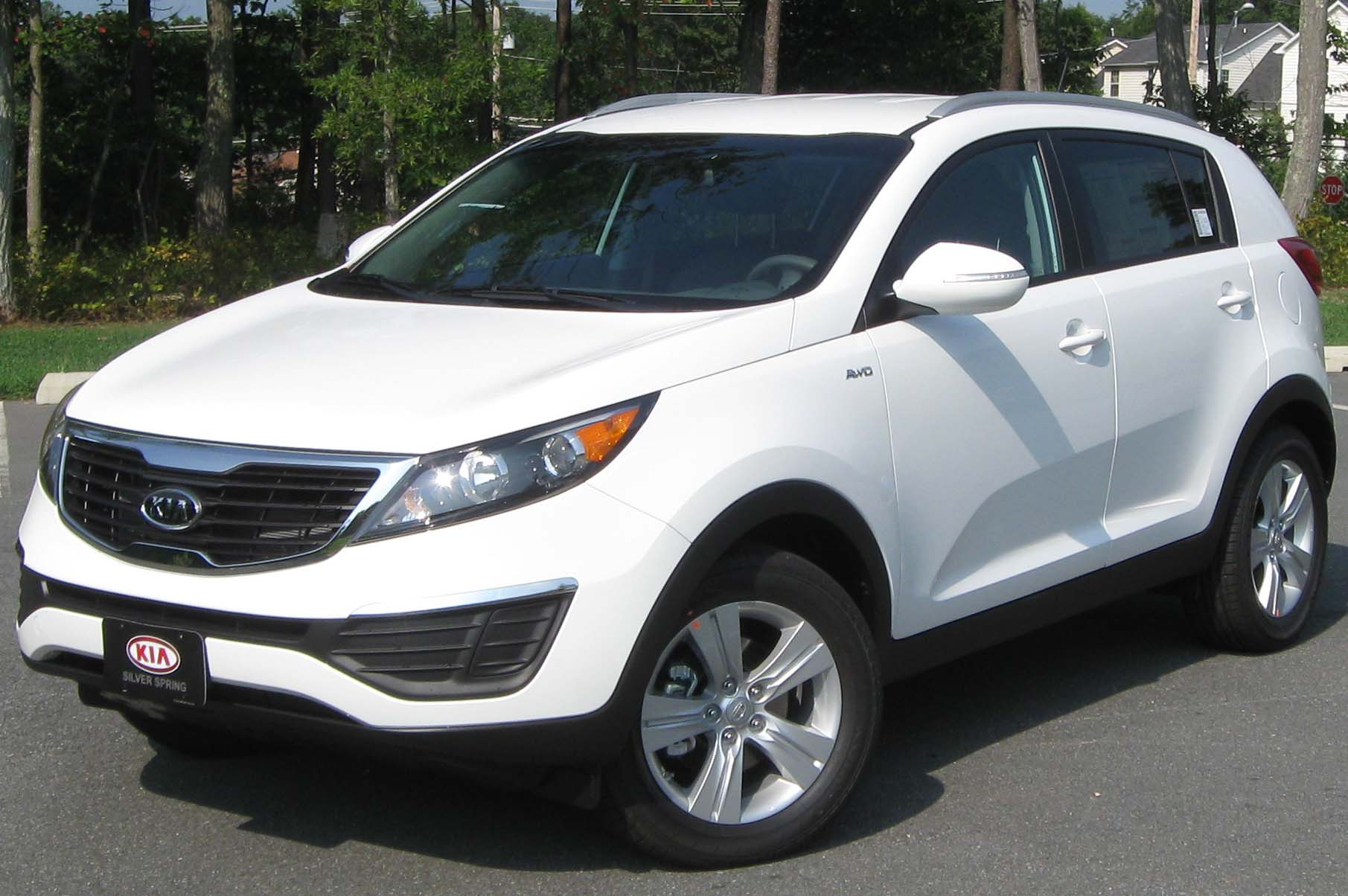 Description 2011 Kia Sportage LX -- 08-16-2010.jpg