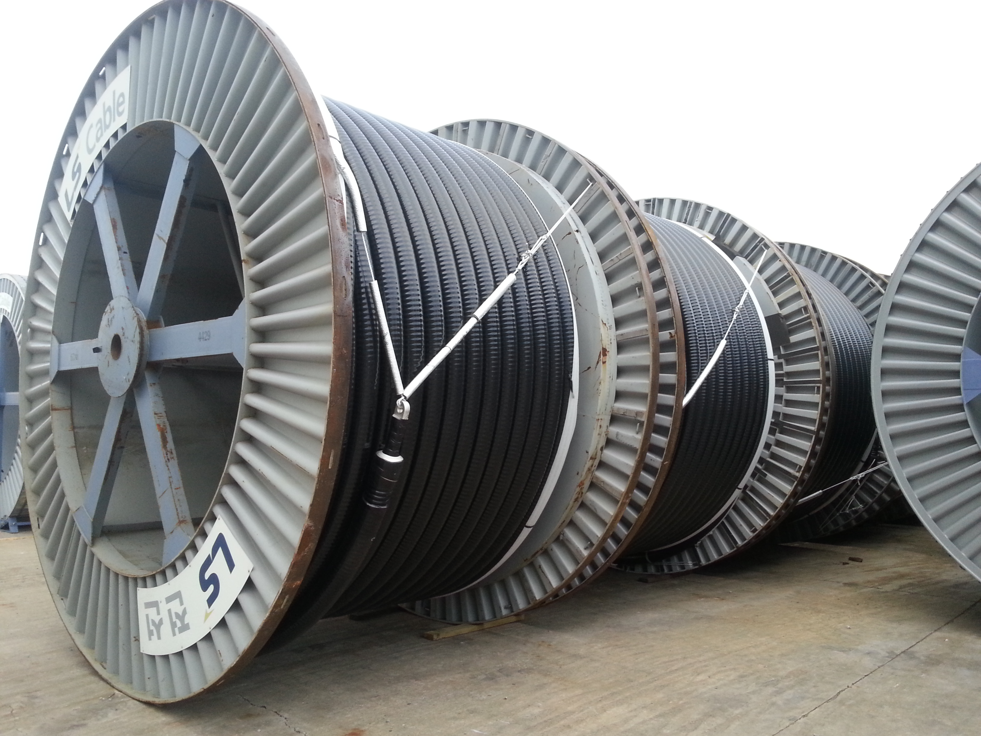 File:345 kV high voltage cables manufactured by LS Cable & System ...