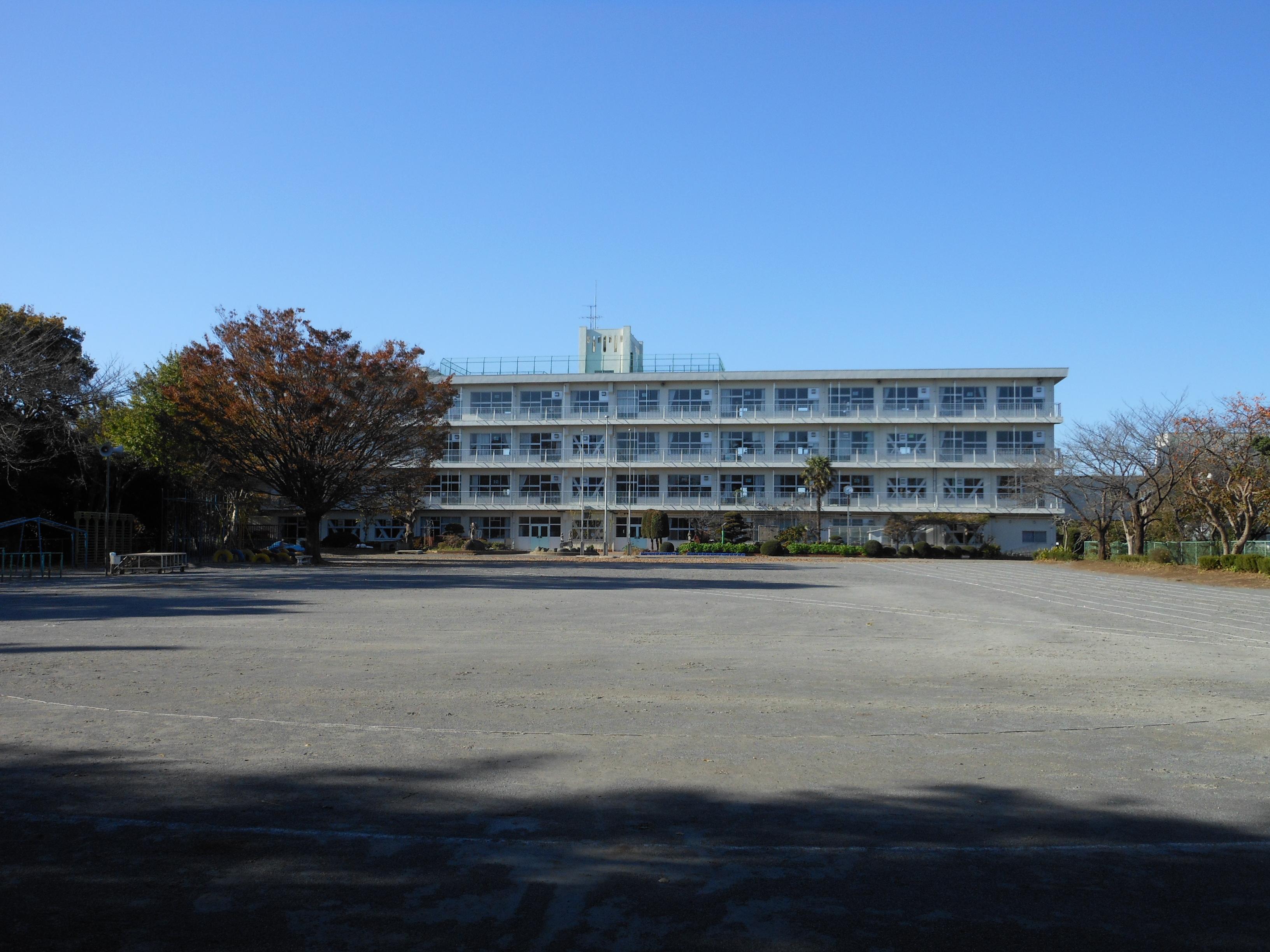 File Abiko City Fusa Elementary School 01 Jpg Wikimedia Commons