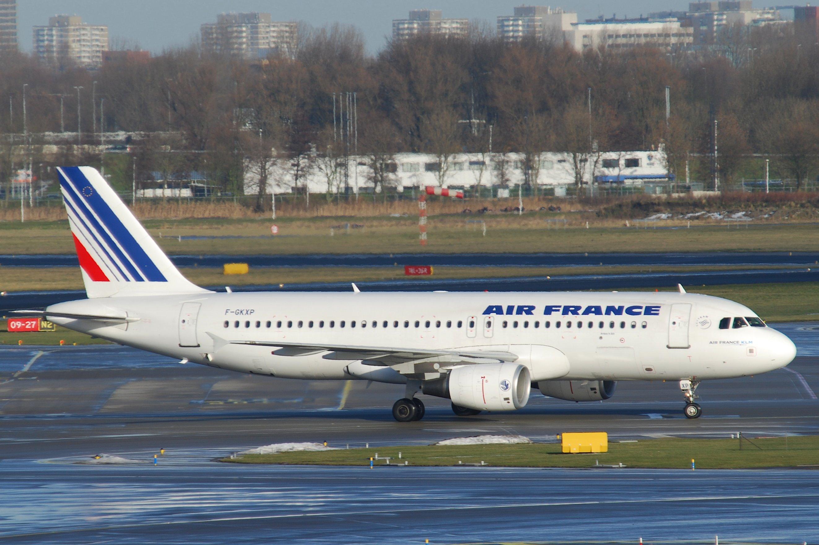 File air france airbus a320 214 f gkxp ams for Airbus a320 air france interieur