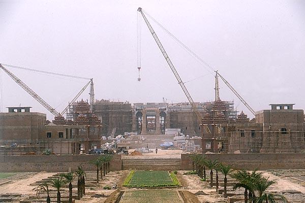 File:Akshardham construction.jpg