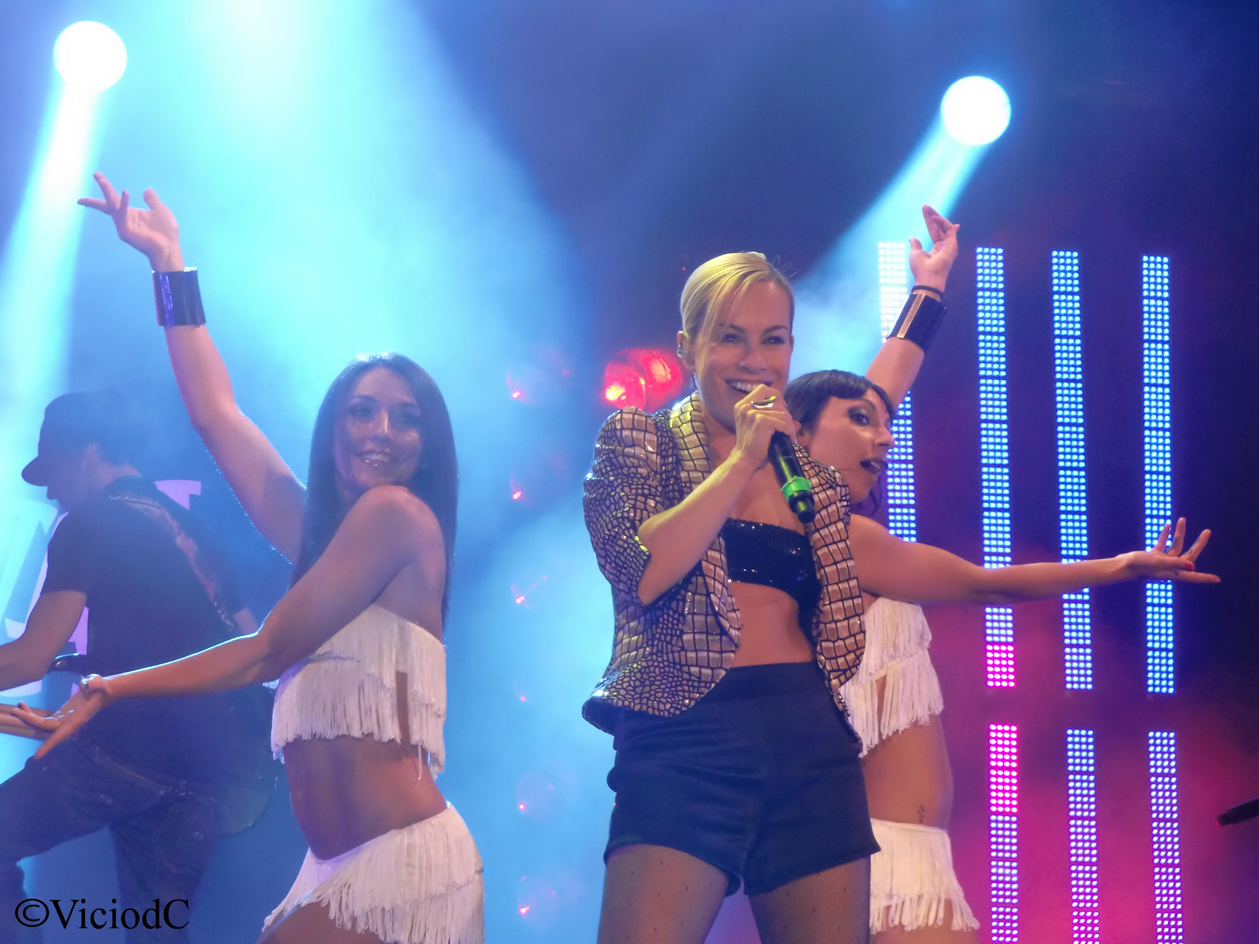 Alexia durante un'esibizione nel 2010