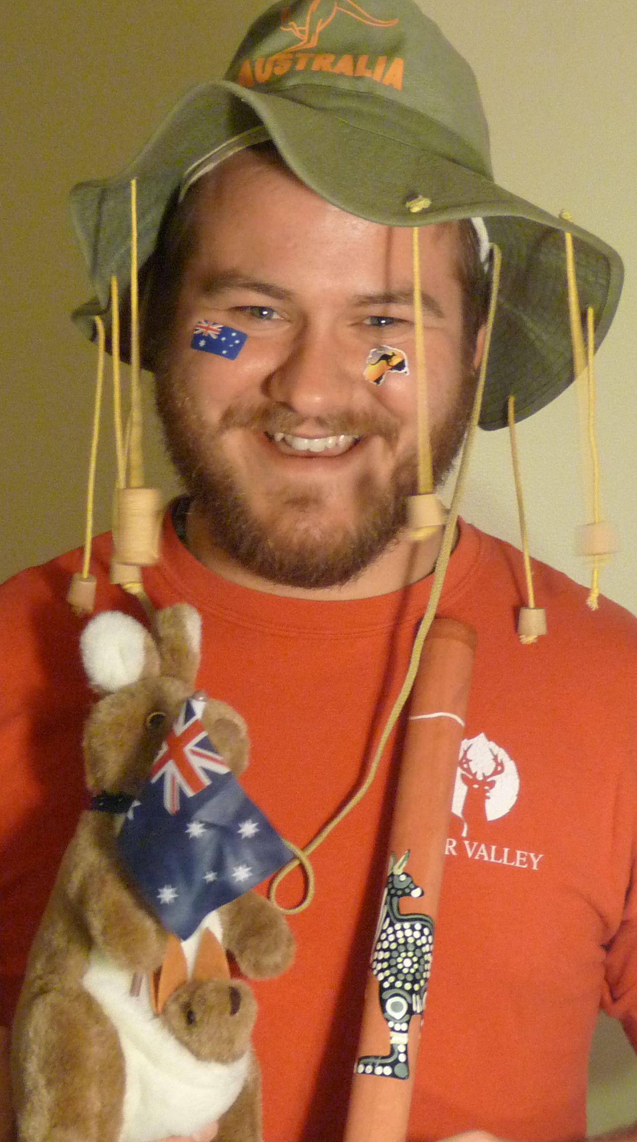 An_Aussie_bloke_wearing_a_cork_hat.jpg