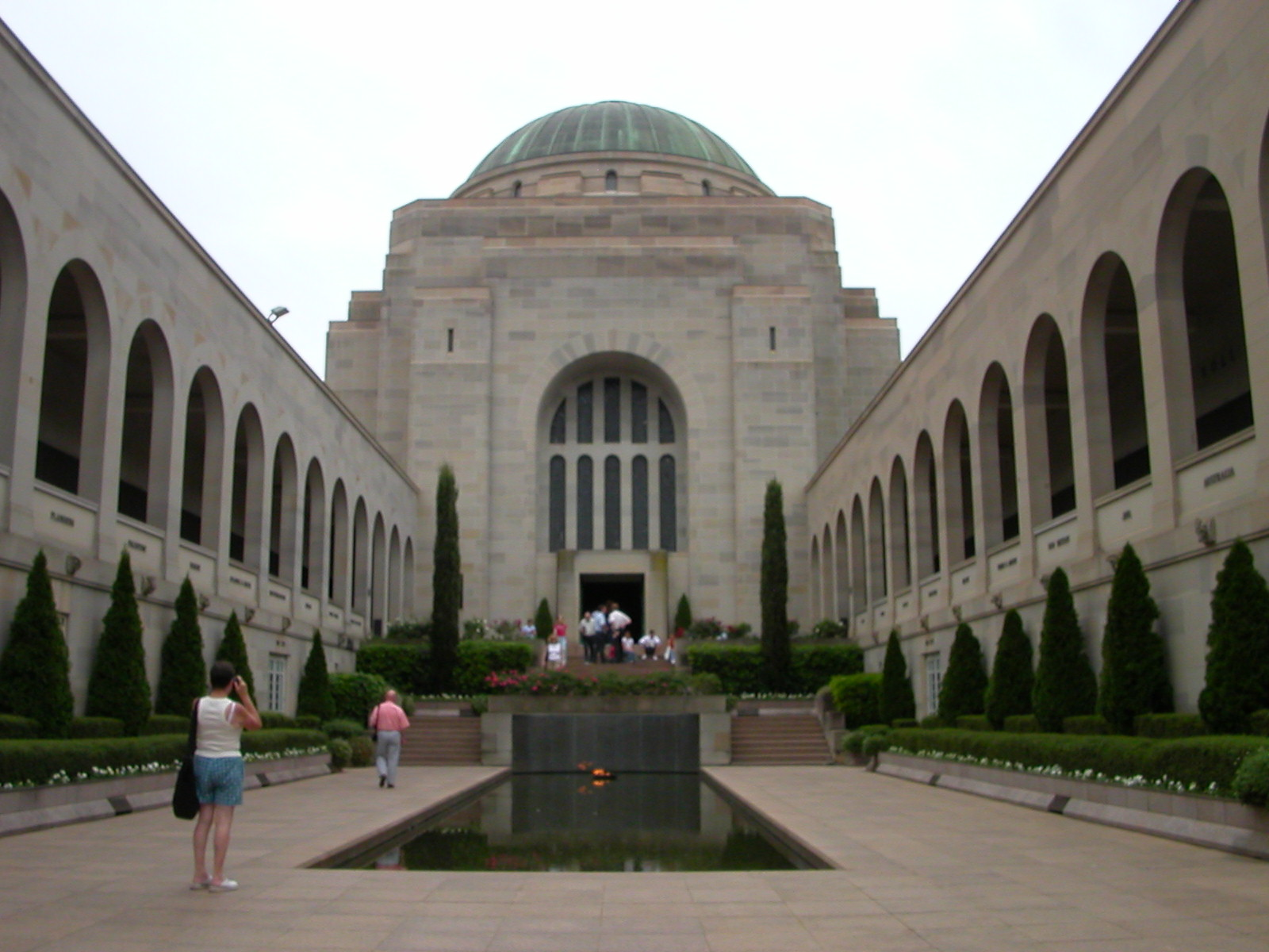 australian war memorial essay Temp webheader insertion a database of historic materials dealing with australia and japan during wartime, several research essays and seminar papers, and various research aids, including glossaries and thesauri of geographical and military terms.