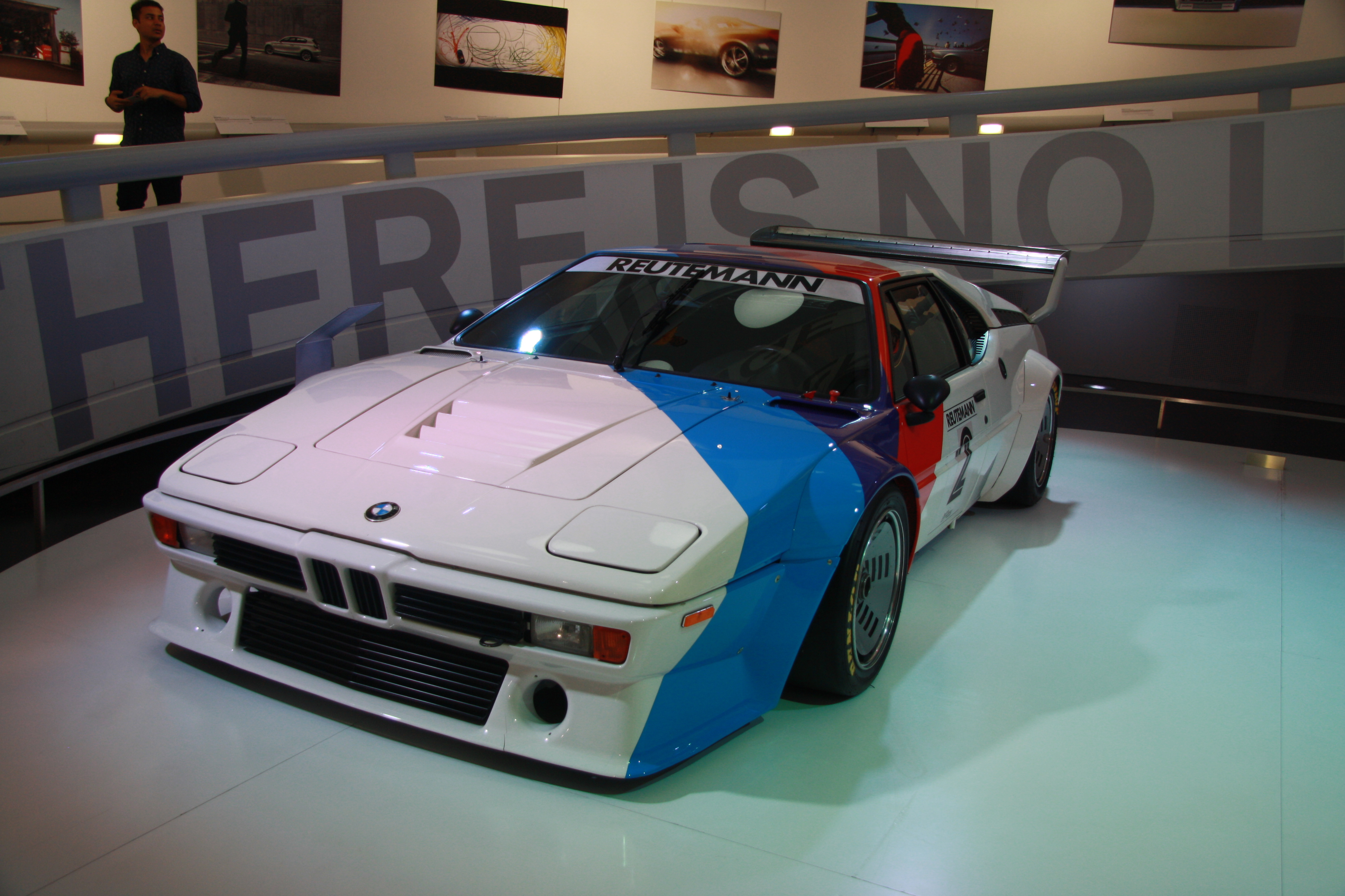 file bmw m1 racing car in bmw museum in munich bayern jpg wikimedia commons. Black Bedroom Furniture Sets. Home Design Ideas
