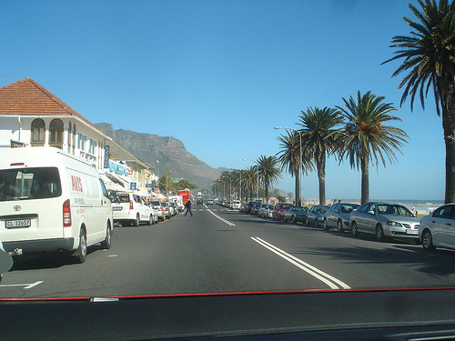 File:Beach Road Camps Bay.jpg