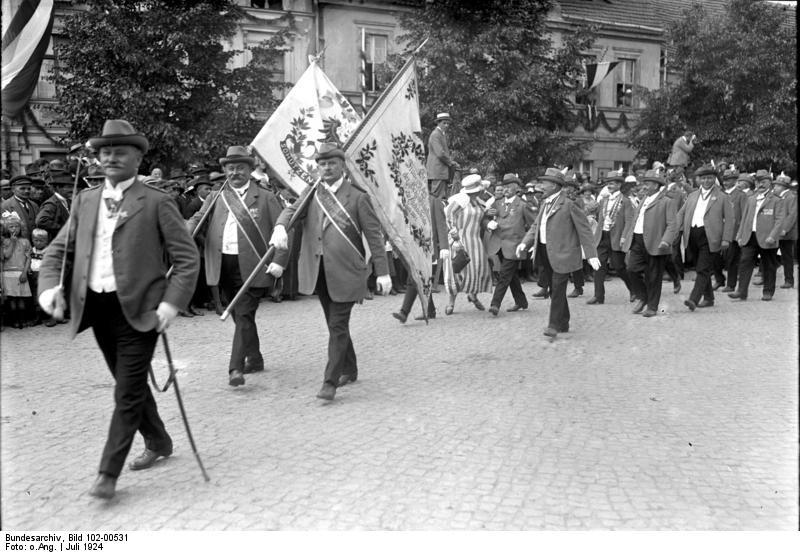 Bundesarchiv Bild 102-00531, Treuenbrietzen, 500 Jahre Deutsche Schützen