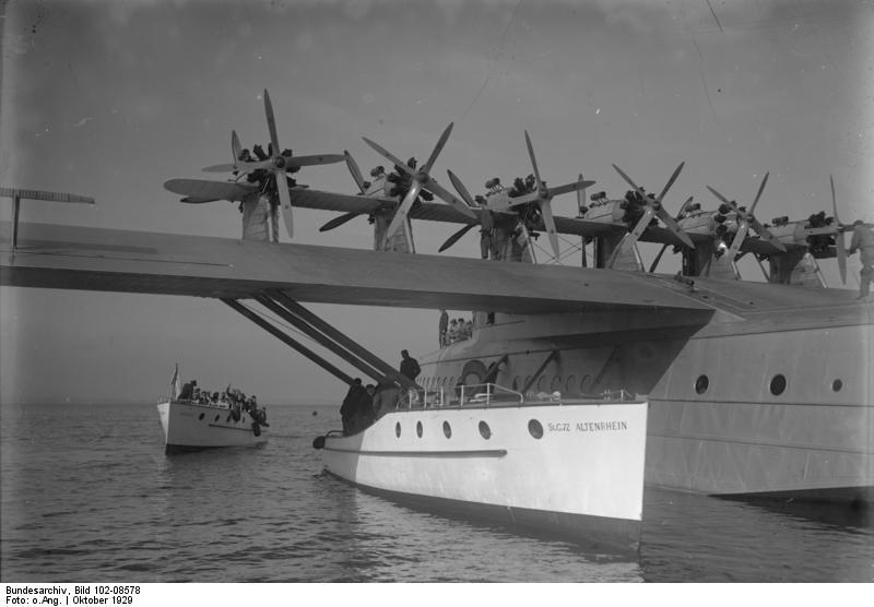 Fliegermuseum Altenrhein - cover