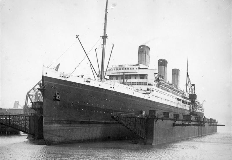 """File:Bundesarchiv Bild 102-12960, South-Hampton, Dampfer """"Majestic"""".jpg"""