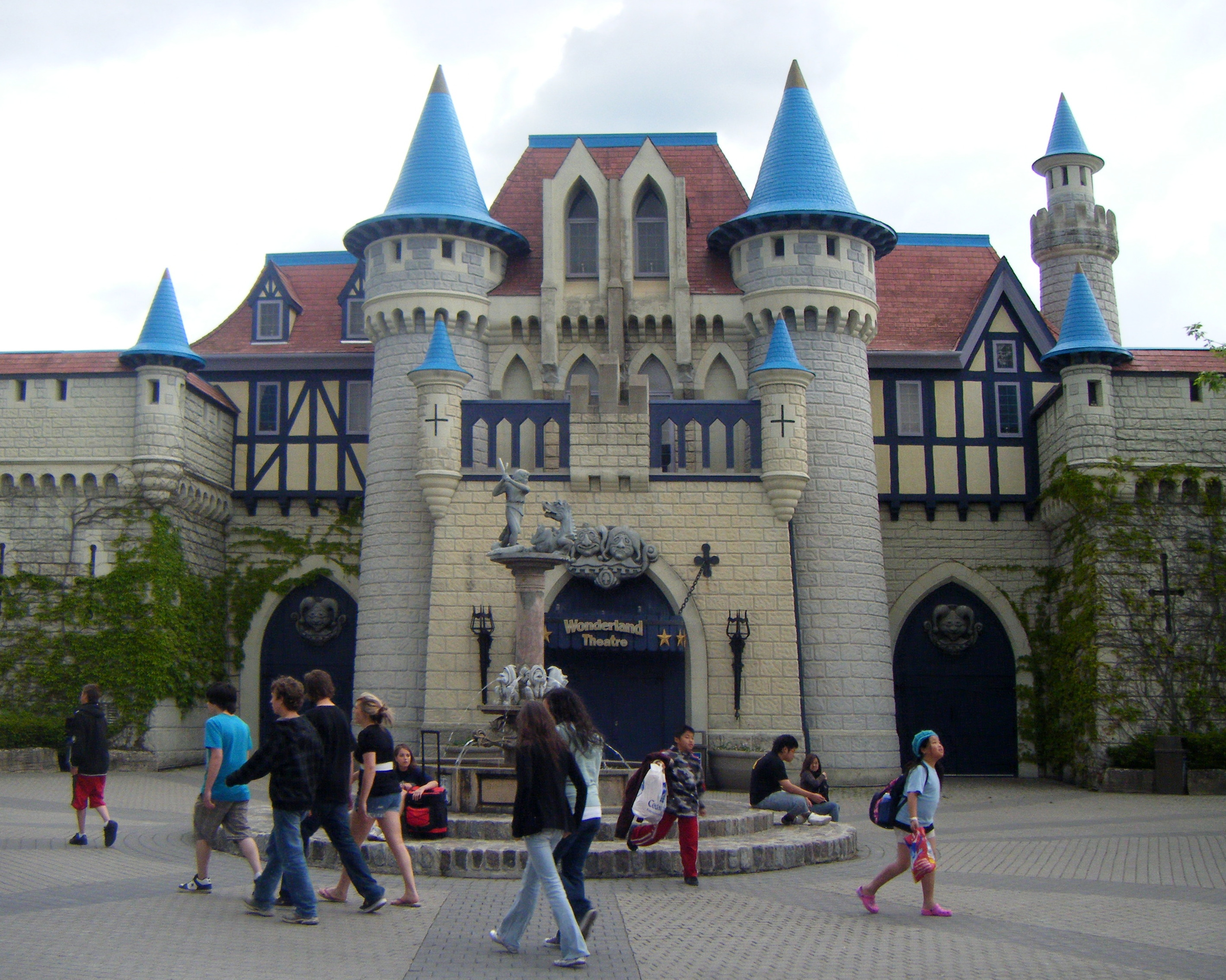 Check out this cool theme park in Toronoto: Canada's ...