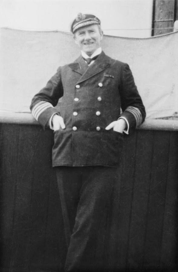 Il capitano Rostron del Carpathia