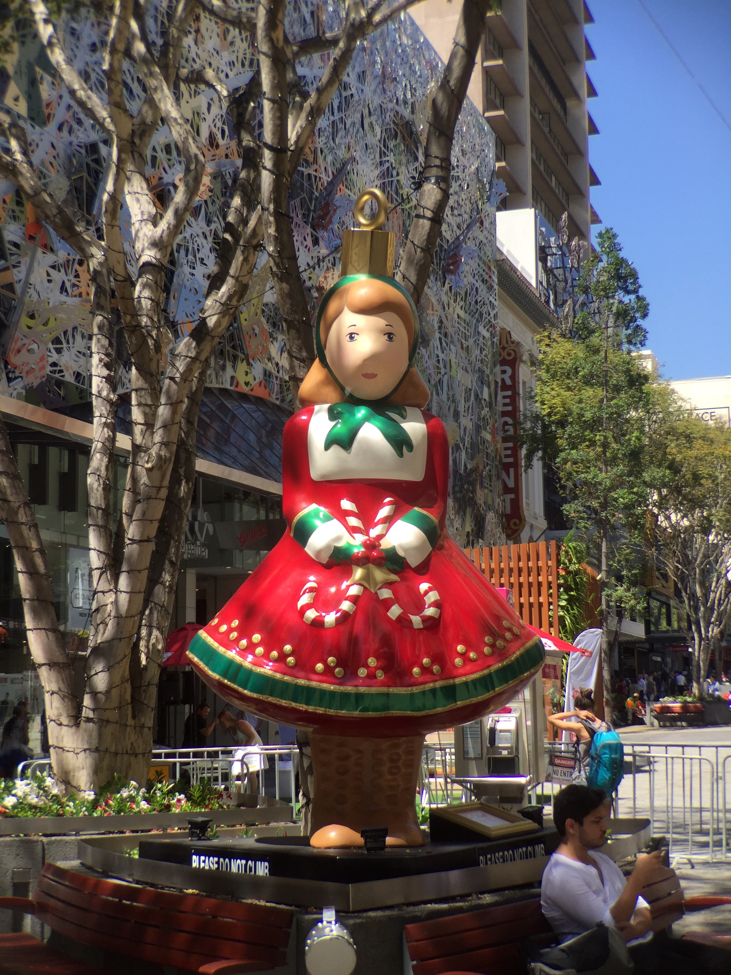 filechristmas decorations in queen street mall brisbane in 2015 02jpeg - Queen Christmas Decorations