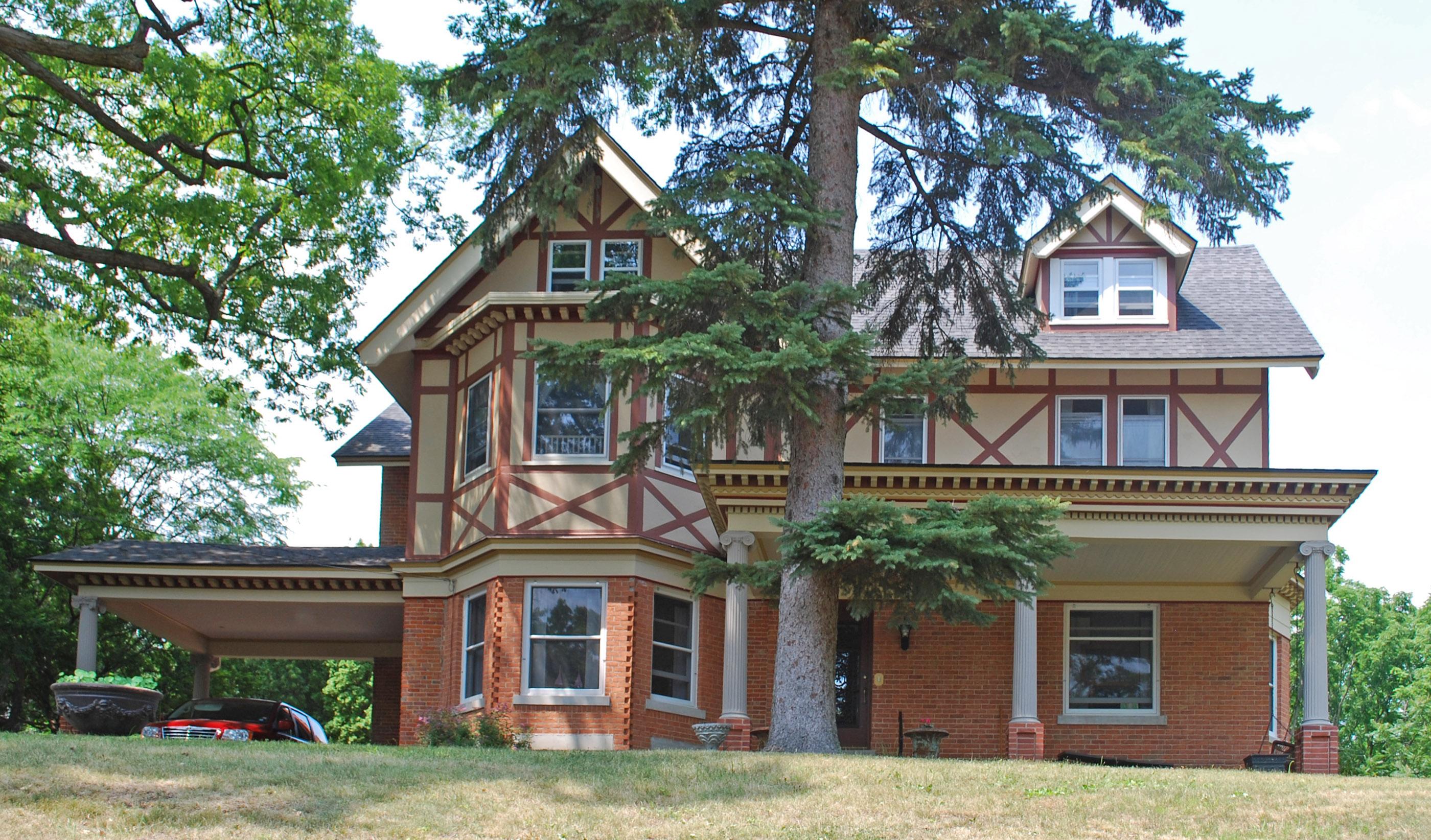 Church Shotwell House Fenton MI.jpg