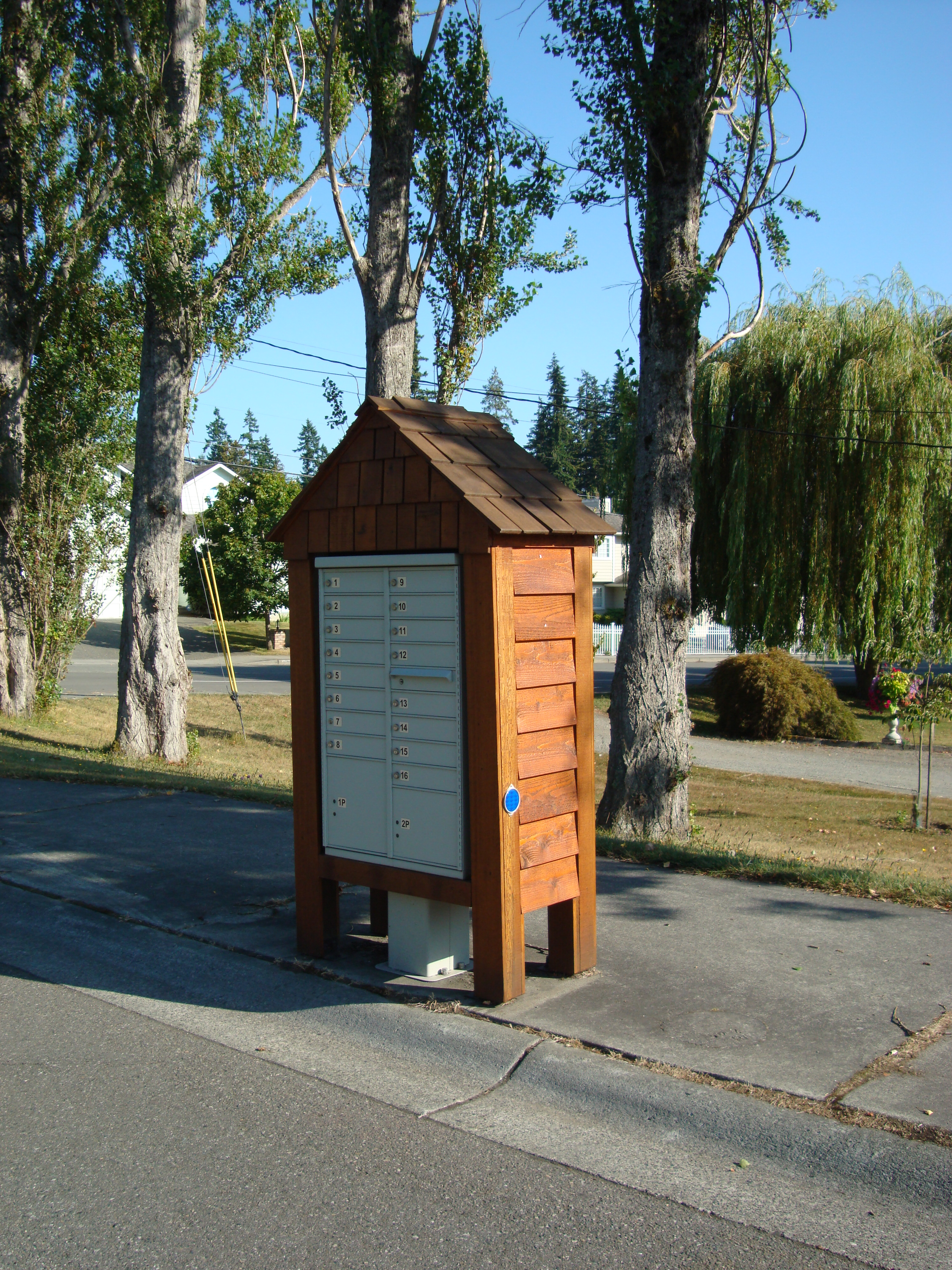 Mailbox Types Of Shelters : File customized mailbox g wikimedia commons