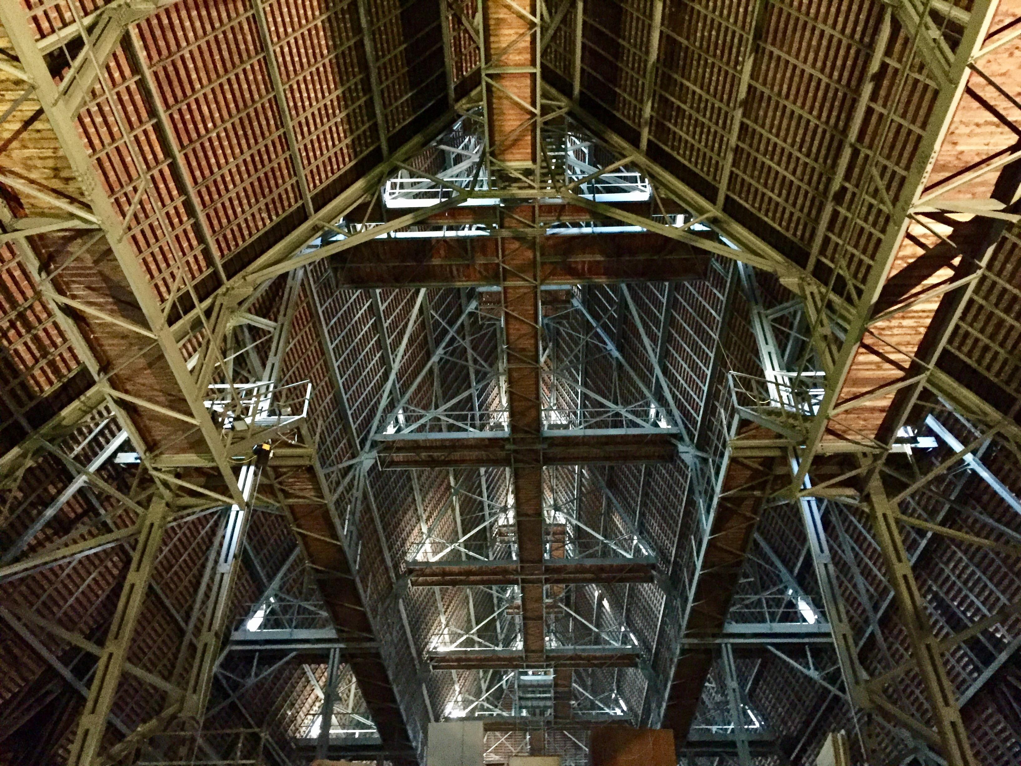 Datei:Dachstuhl aus Stahl im Stephansdom, 20. Jahrhundert.jpg ...