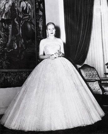 Eva per 243 n the first lady of argentina wearing a dior dress in 1950