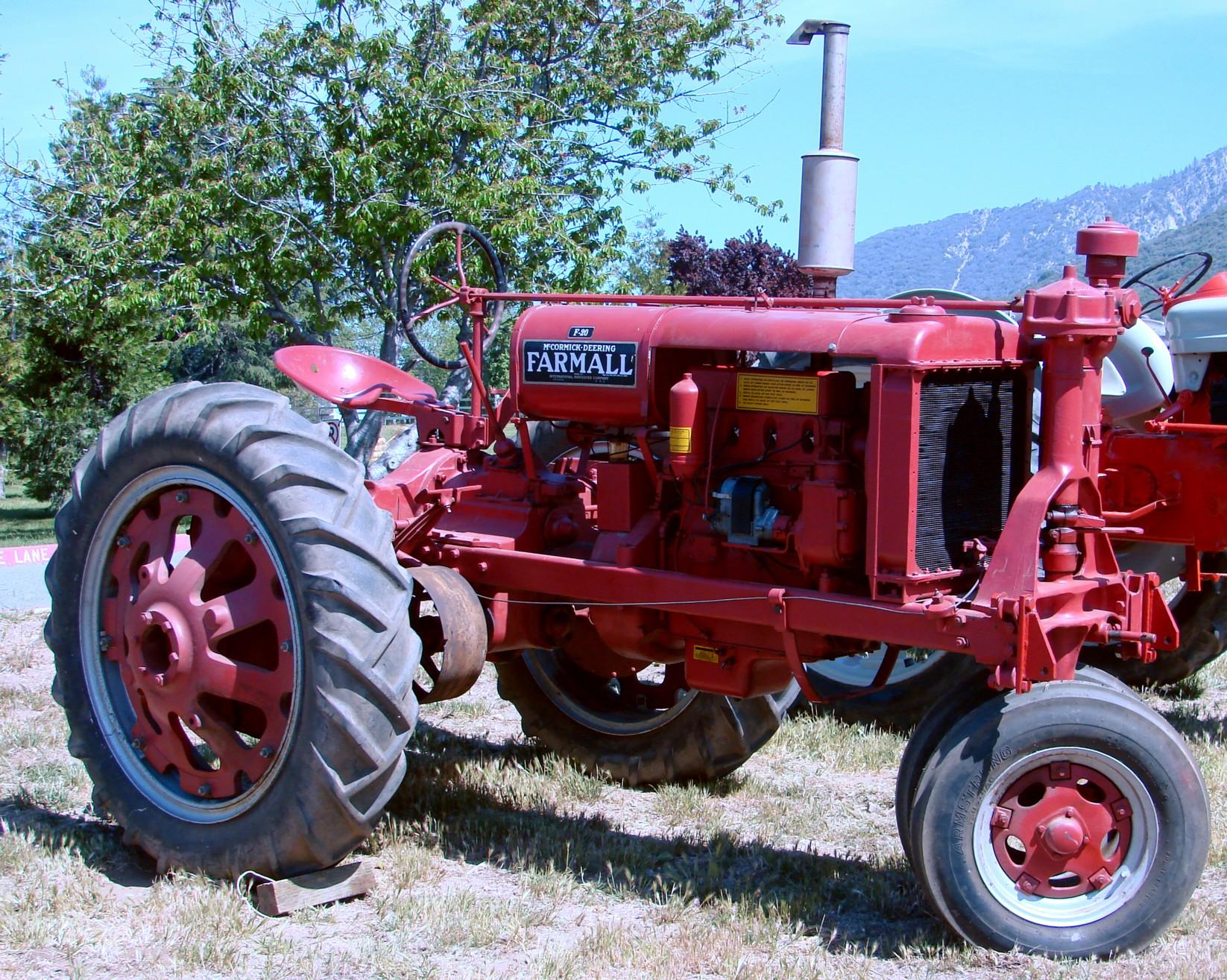 File:Farmall (International Harvester) Tractor (1950?) (5897877331).