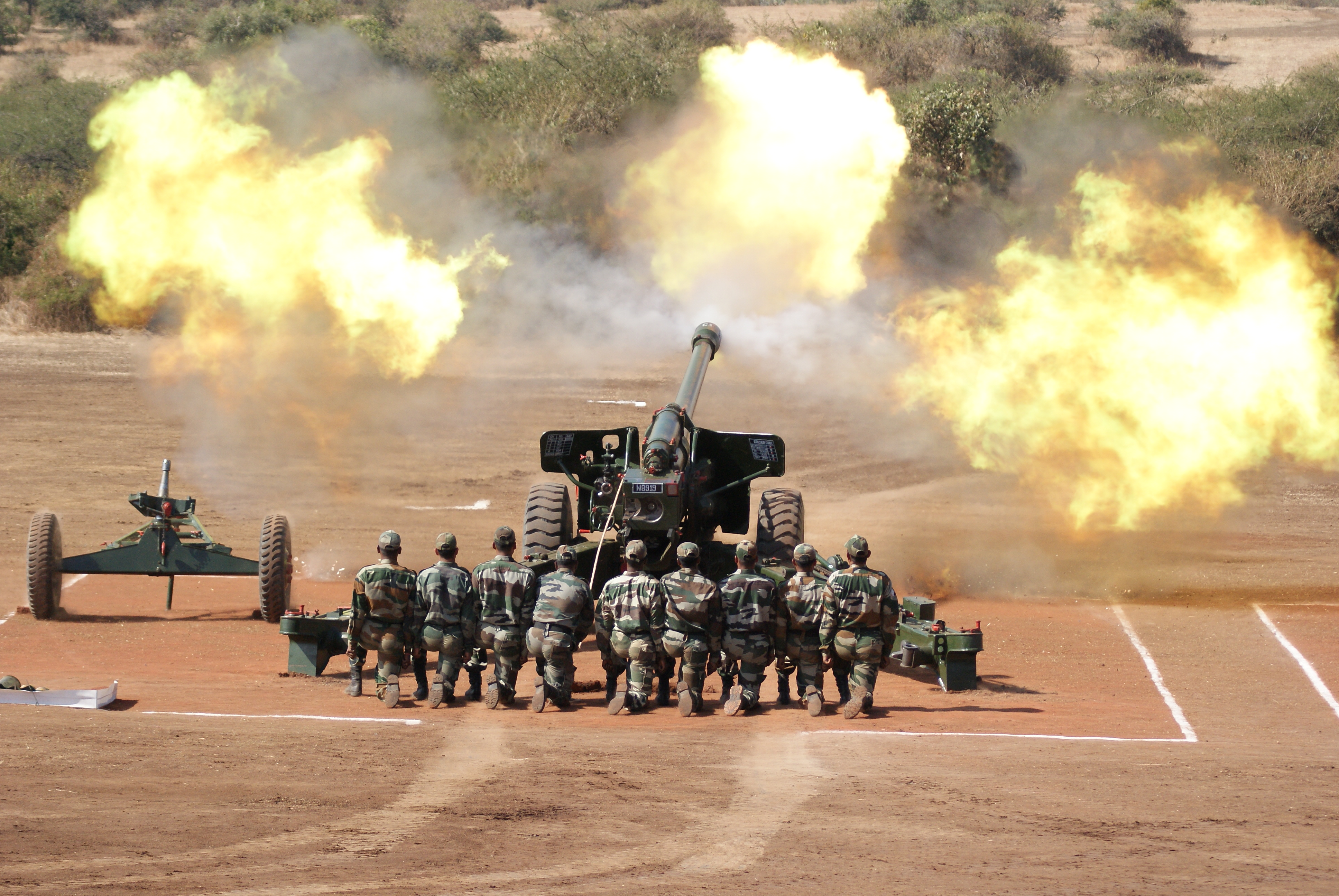 File:Fire power demo by Artillery of Indian Army.jpg - Wikimedia Commons