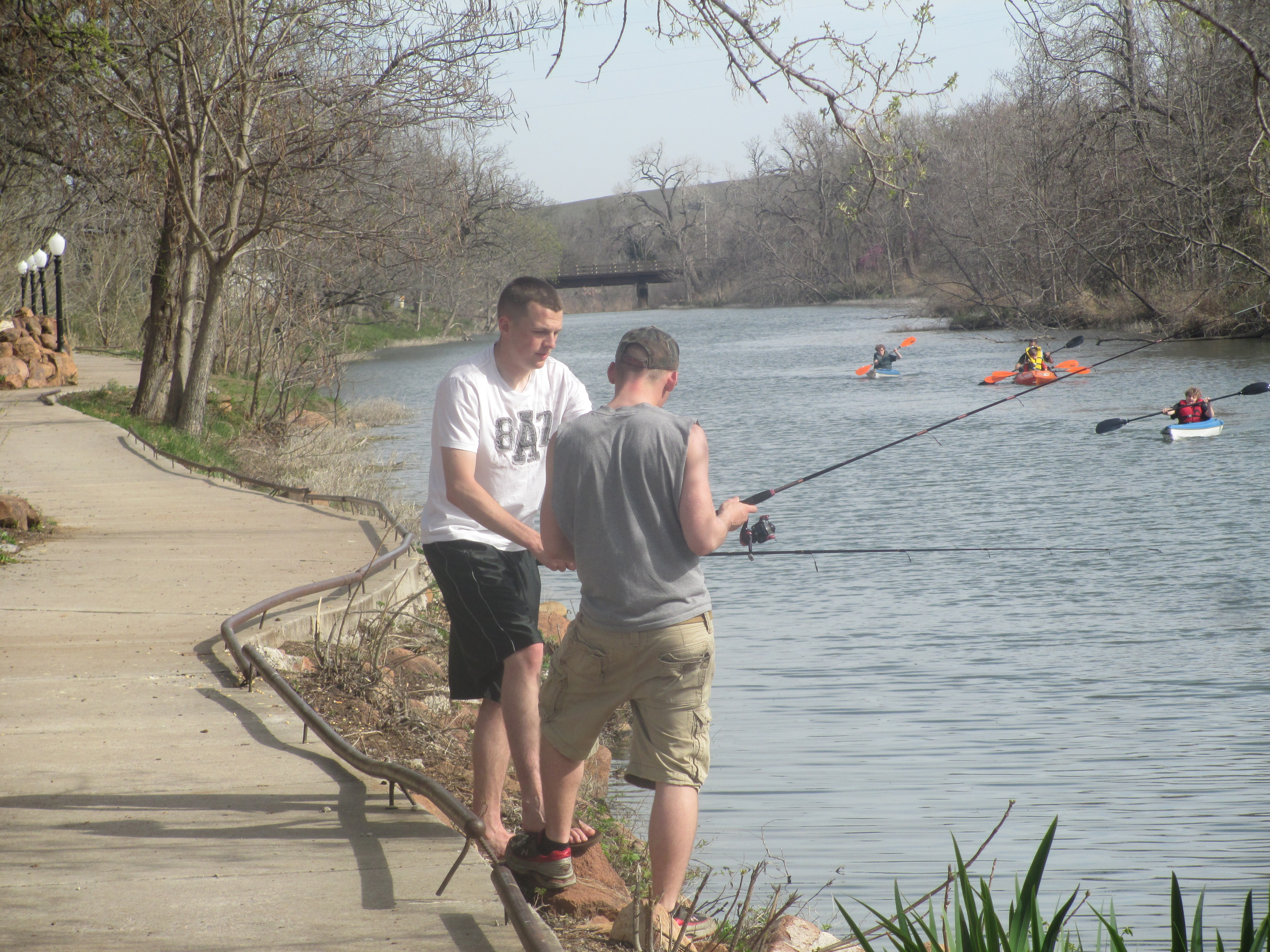 File fishing kayaking at medicine park ok img 6995 jpg for Fishing in oklahoma