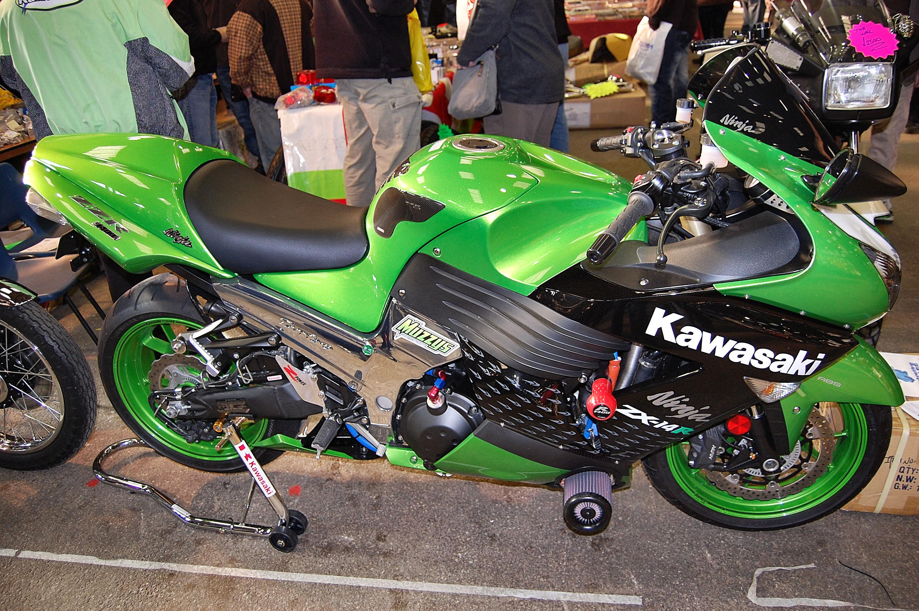 FileFlickr  ronsaunders47  KAWASAKI NINJA ZX14R THE GREEN