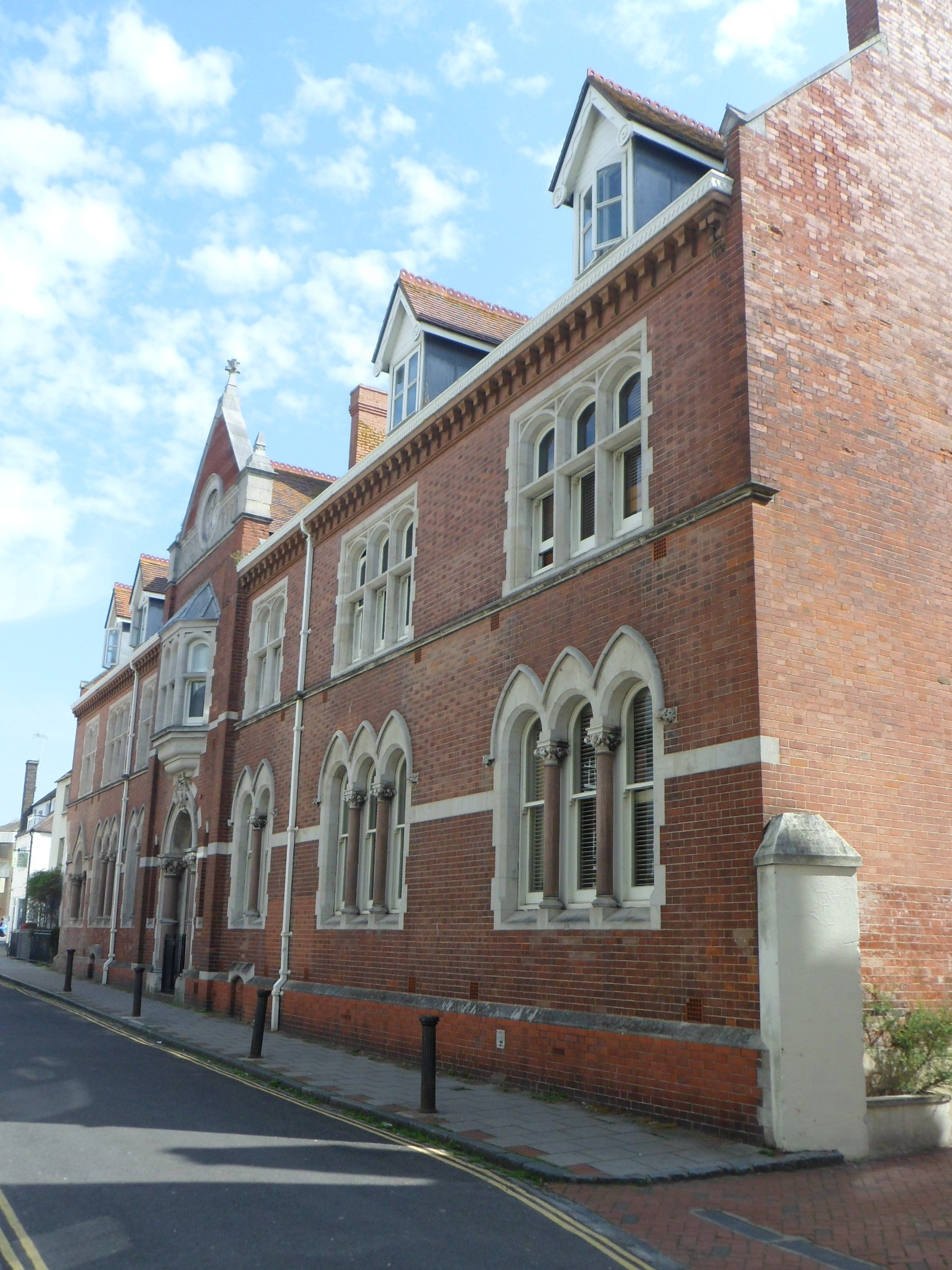 File:Former Parochial Offices, 15–17 Princes Street, Brighton (NHLE Code 1380776) (August 2013).JPG