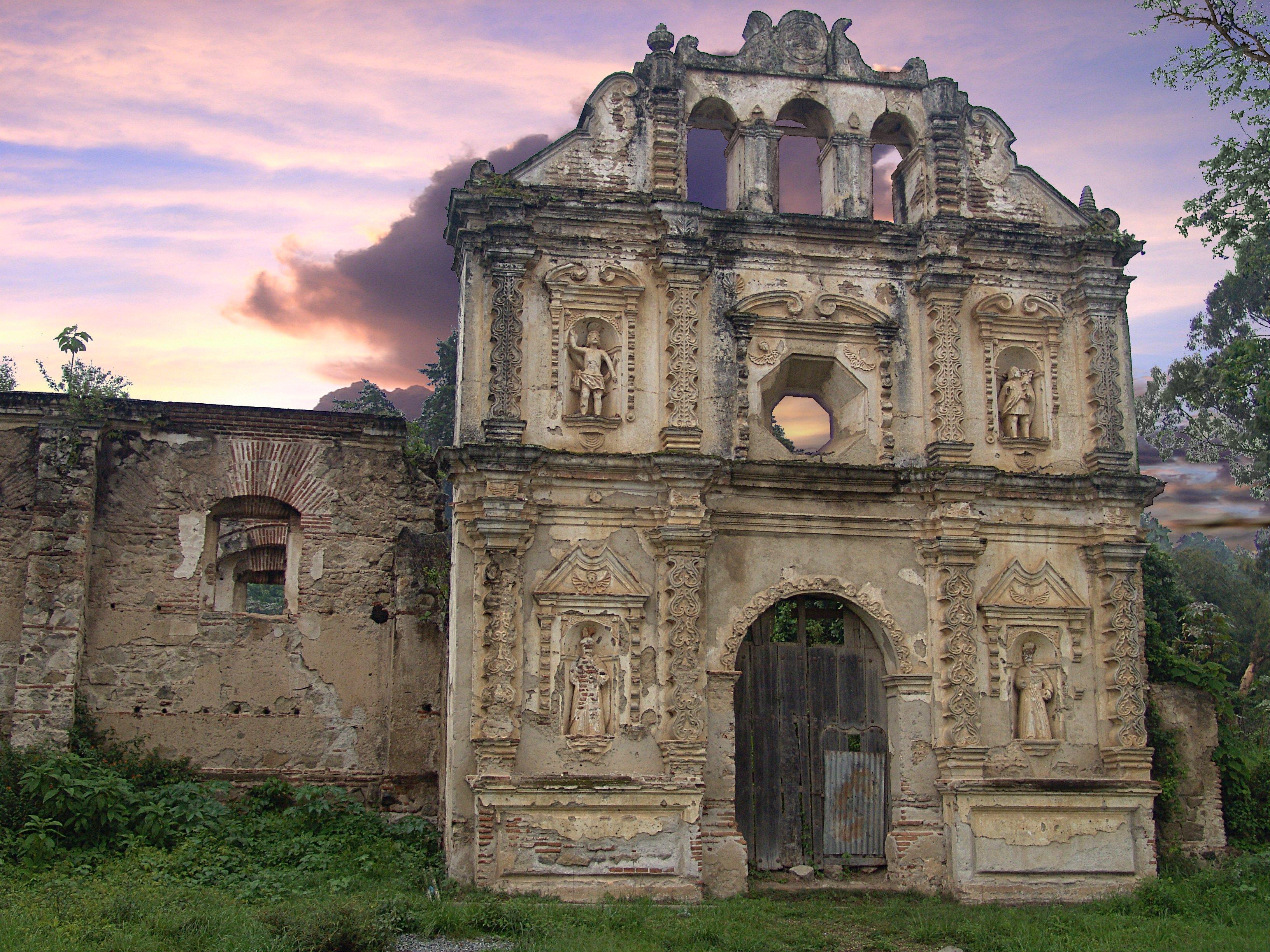 Ermita de Santa Isabel, en 2005.  Fotografía tomada de Wikimedia Commons.
