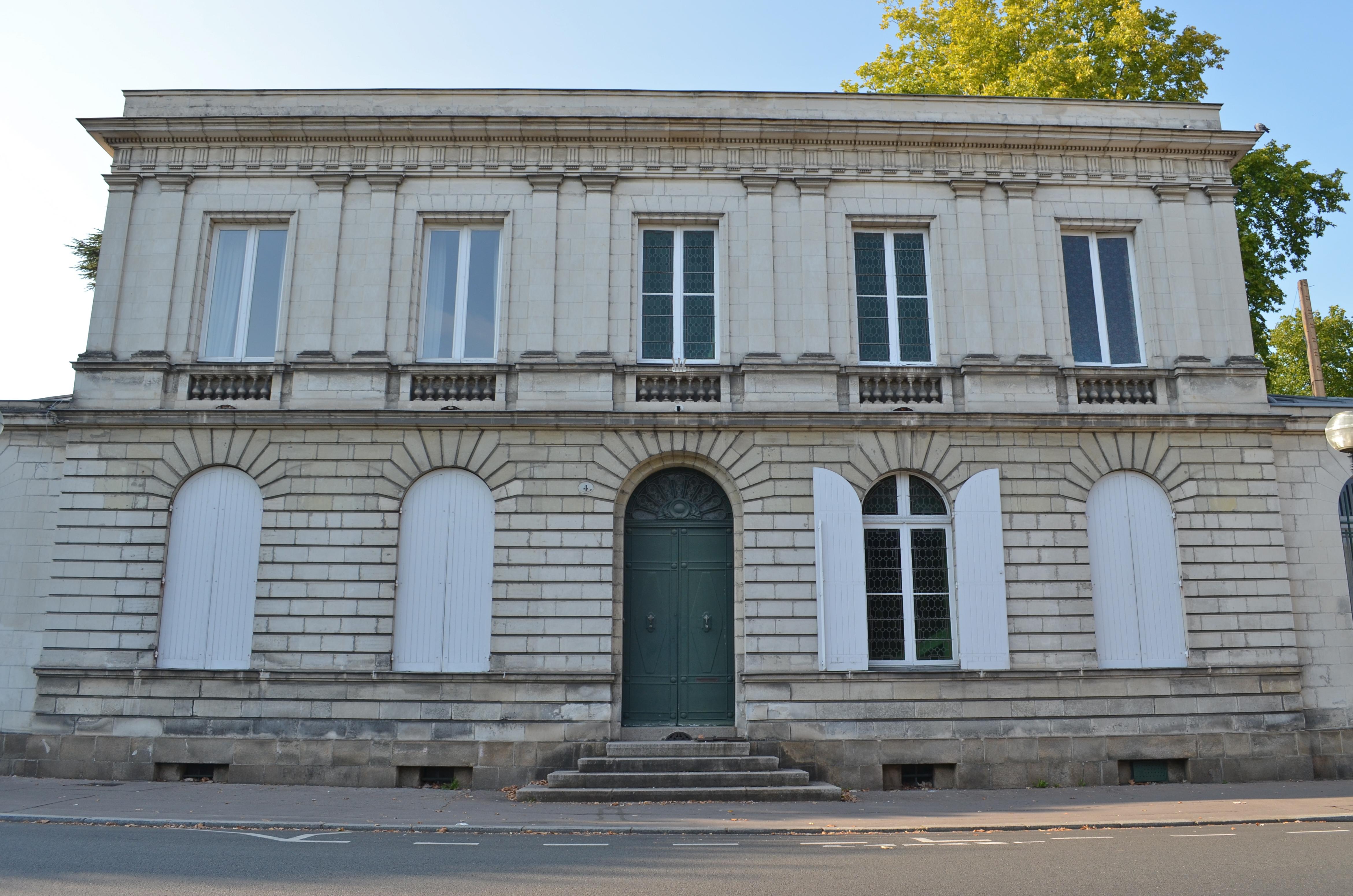 File:Hôtel particulier 4 place du Général-Mellinet - Nantes.jpg ...
