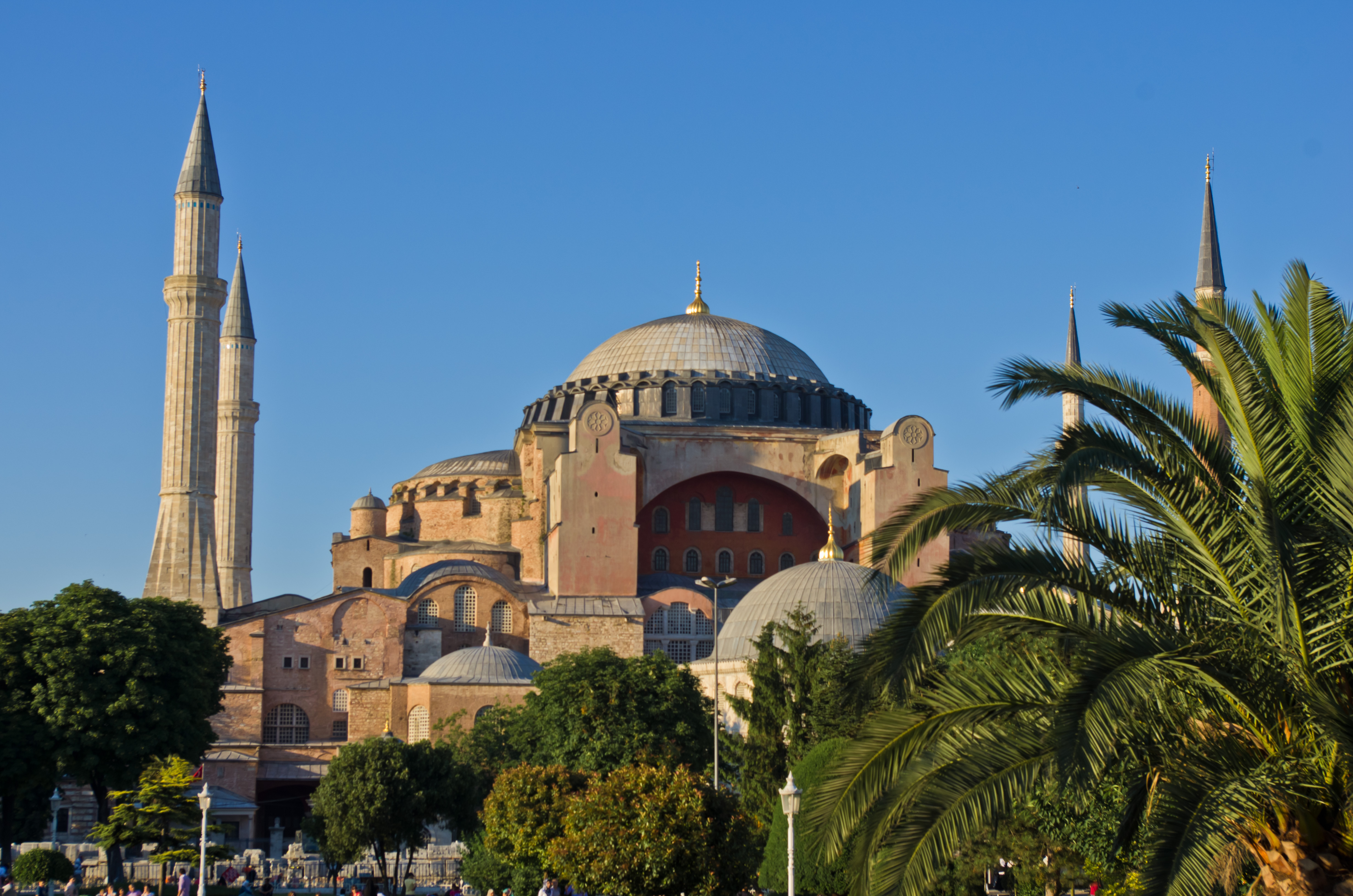 The Byzantine Empire | Anti-Social Studies: A History Podcast + Blog By Antoine Taveneaux [CC BY-SA 3.0 (https://creativecommons.org/licenses/by-sa/3.0)], from Wikimedia Commons